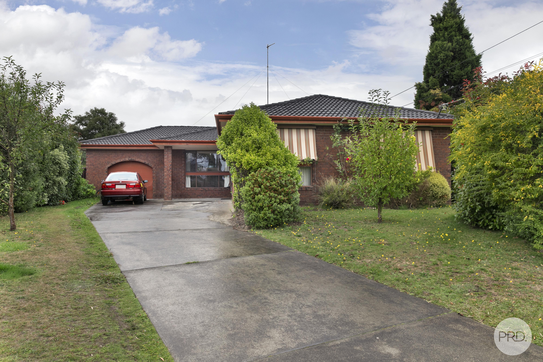 2, Laurine Court, WENDOUREE, VIC 3355