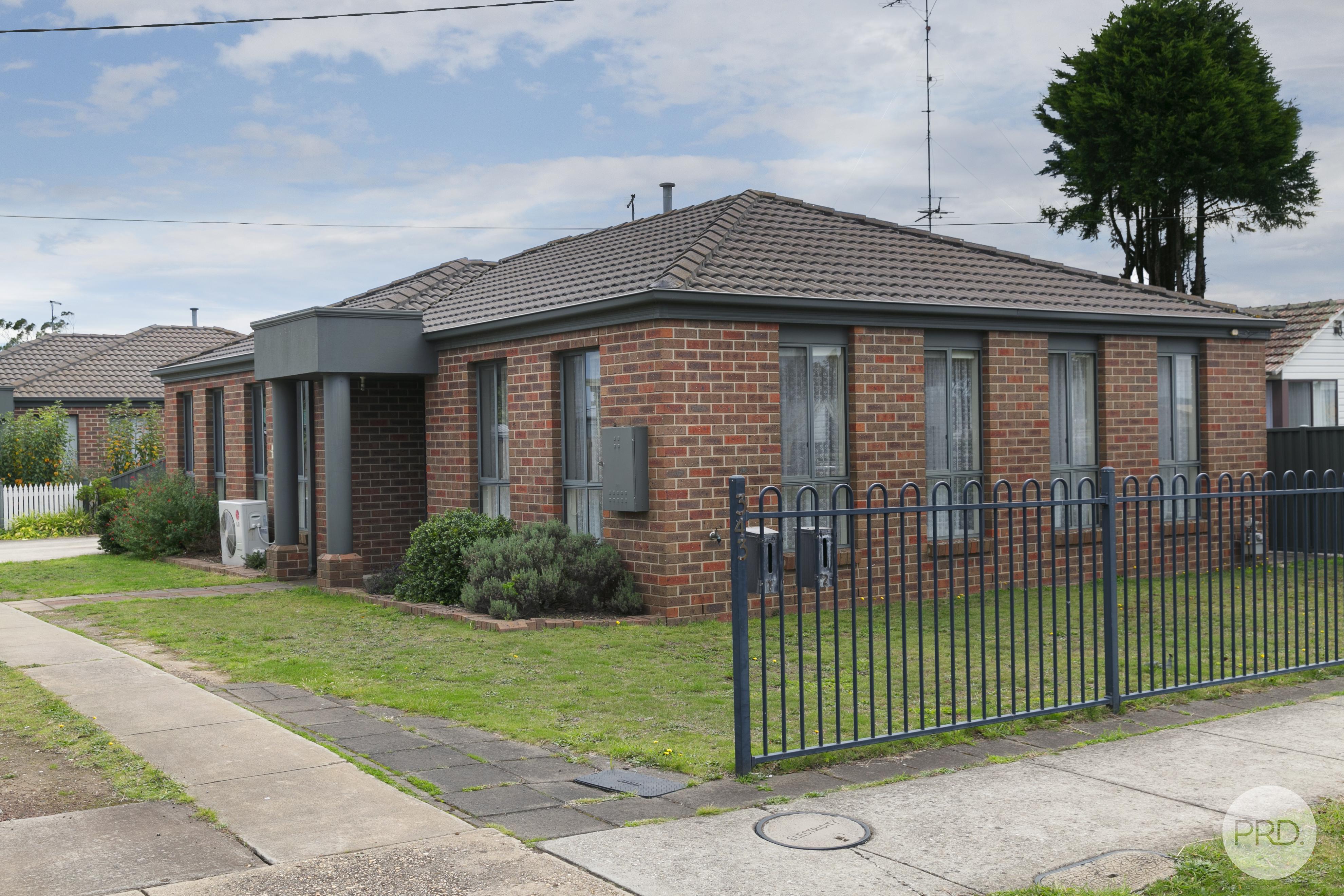1/343, Gillies Street North, WENDOUREE, VIC 3355