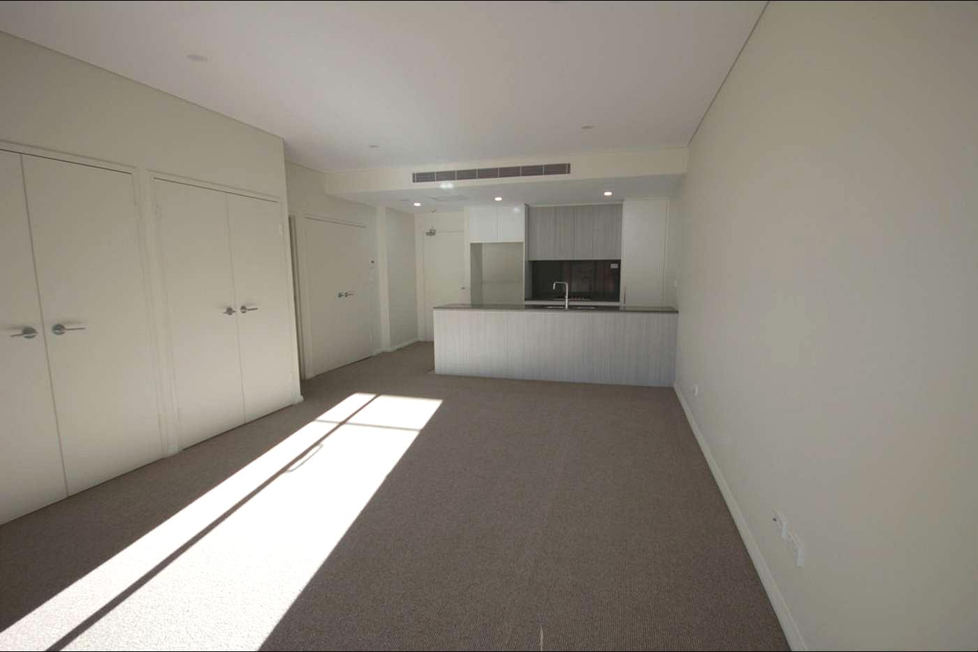 Stylish Near New Modern 2 Bedroom Apartment