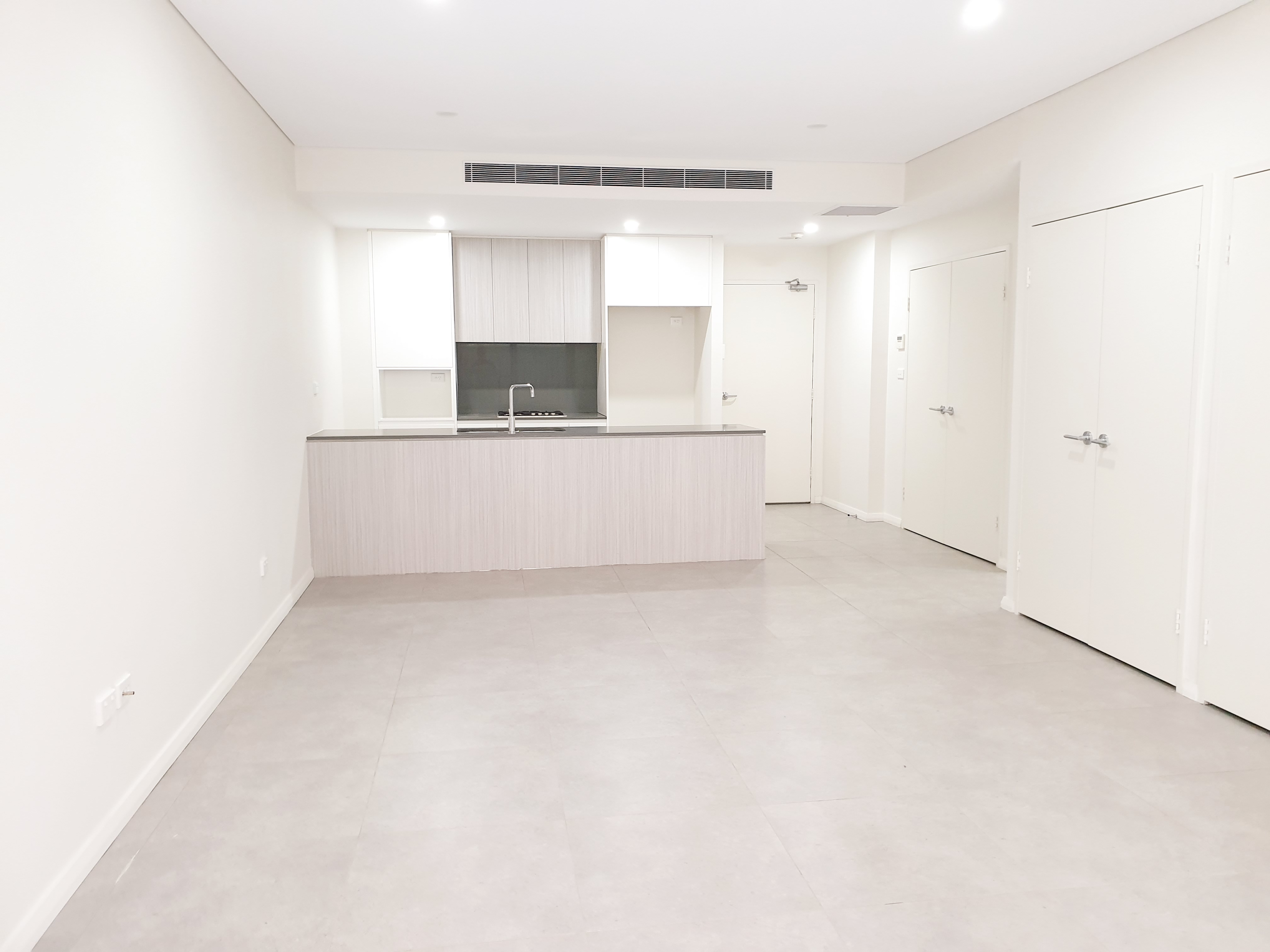 2 Bedroom Apartment with court yard