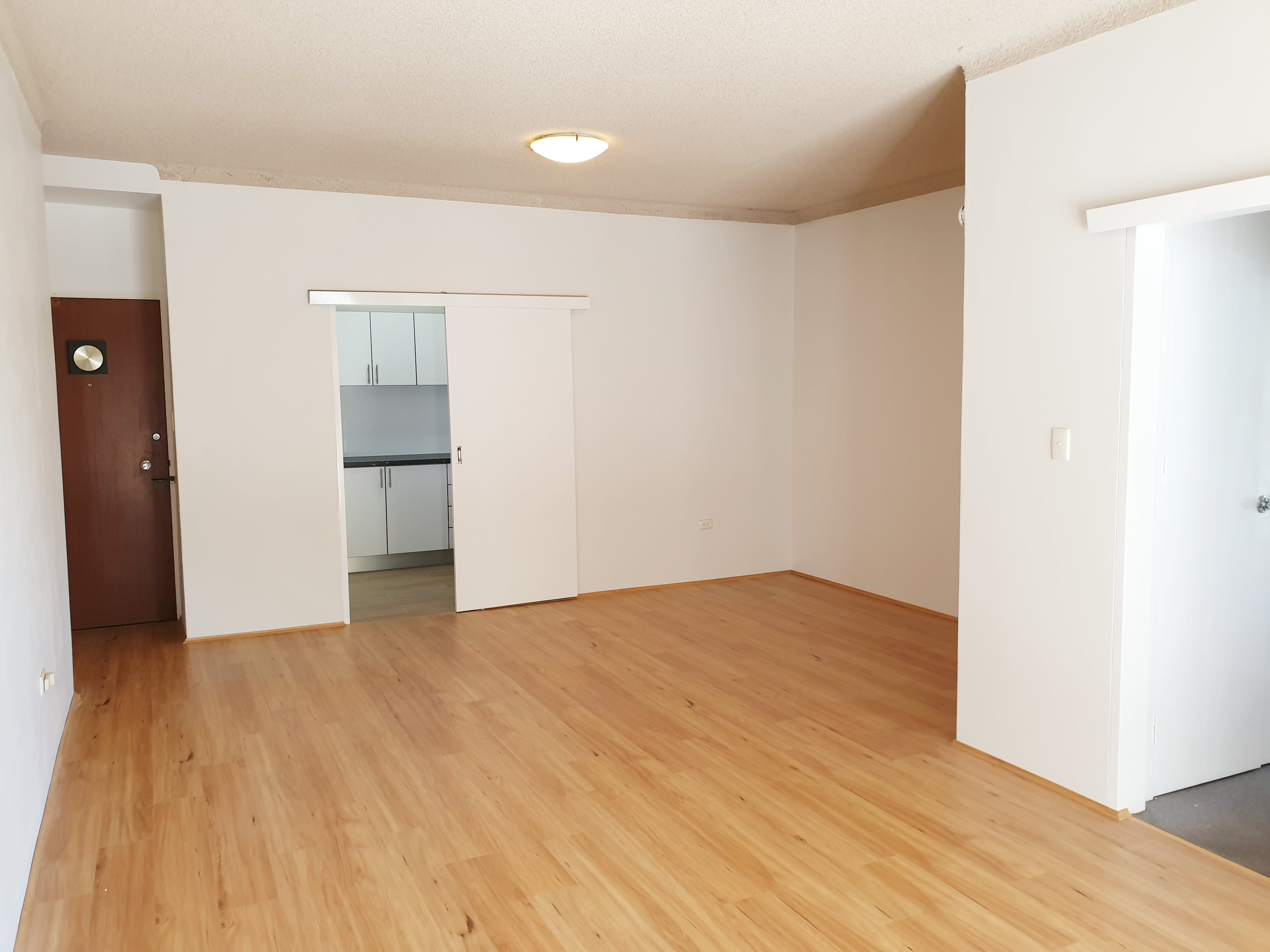 2 BEDROOM UNIT CLOSE TO ALLAWAH STATION