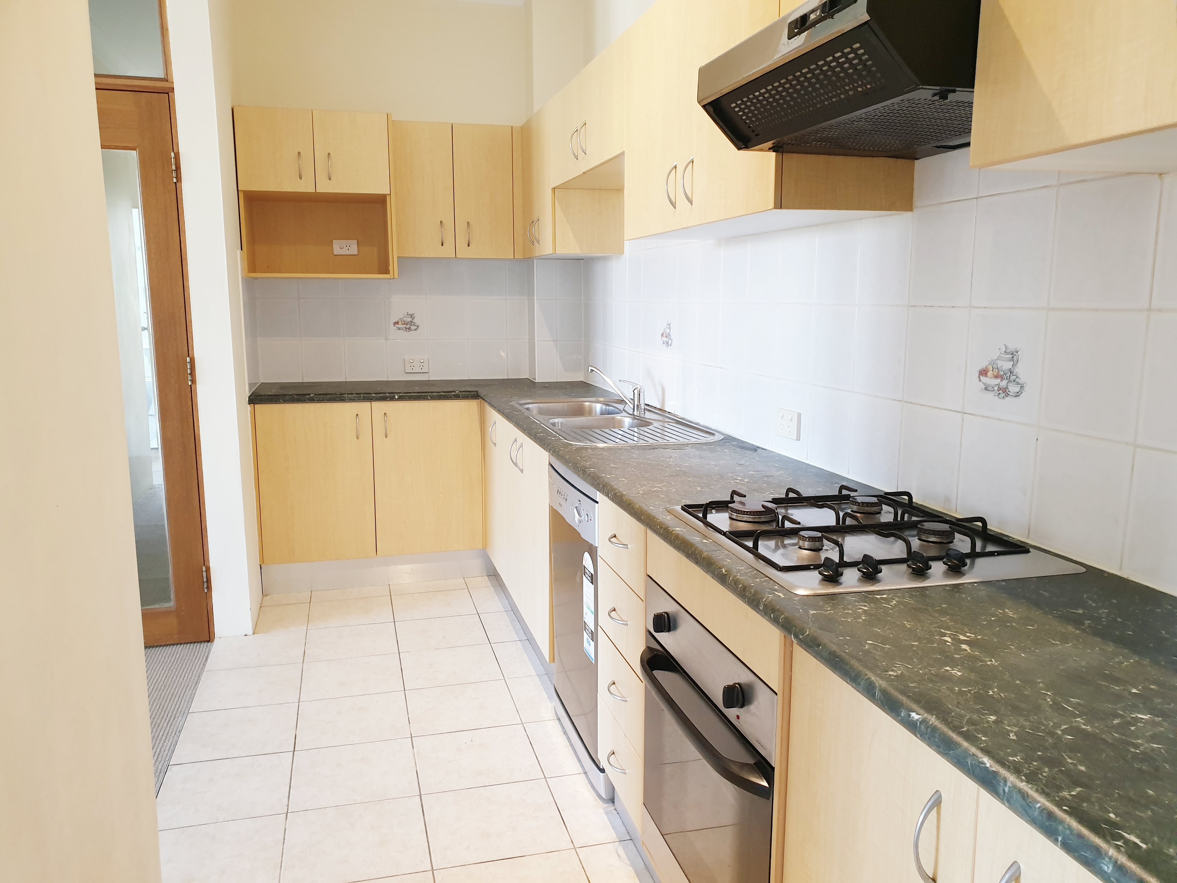Nice 3 Bedroom Apartment- Great location