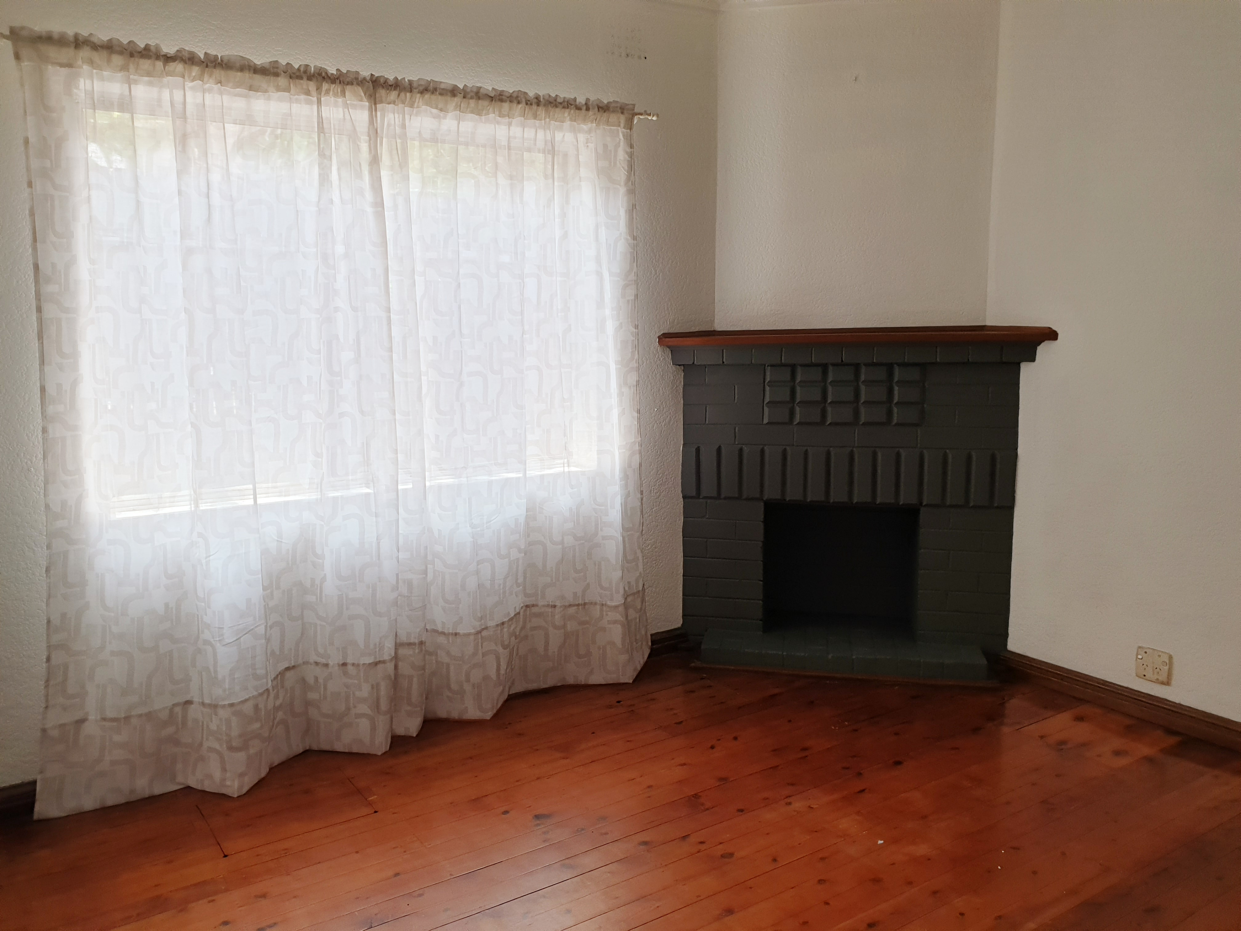 Image: 2 Bedrooms Semi in the Heart of South Hurstville