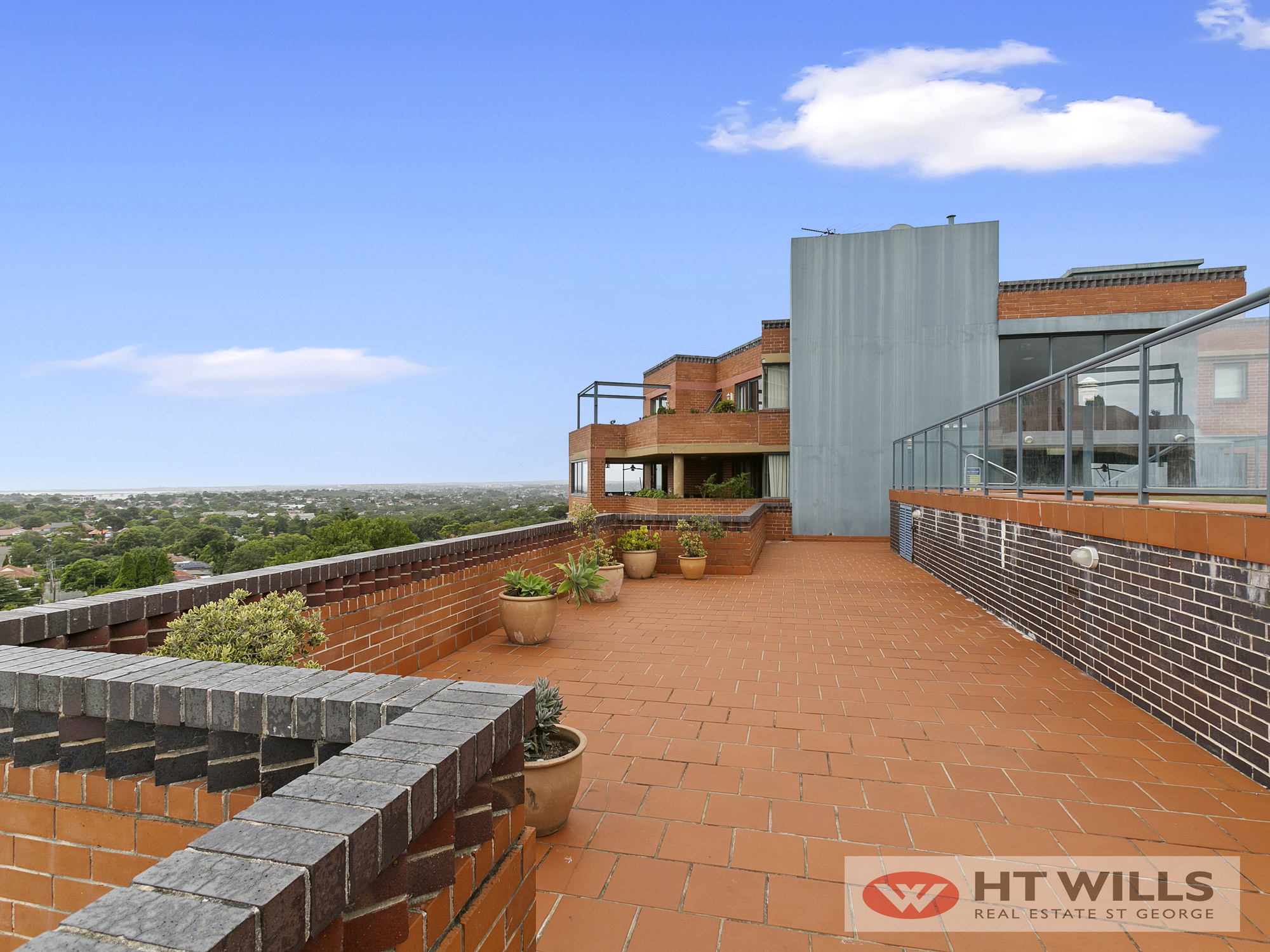 Image: Large Two Bedroom with Sweeping Views