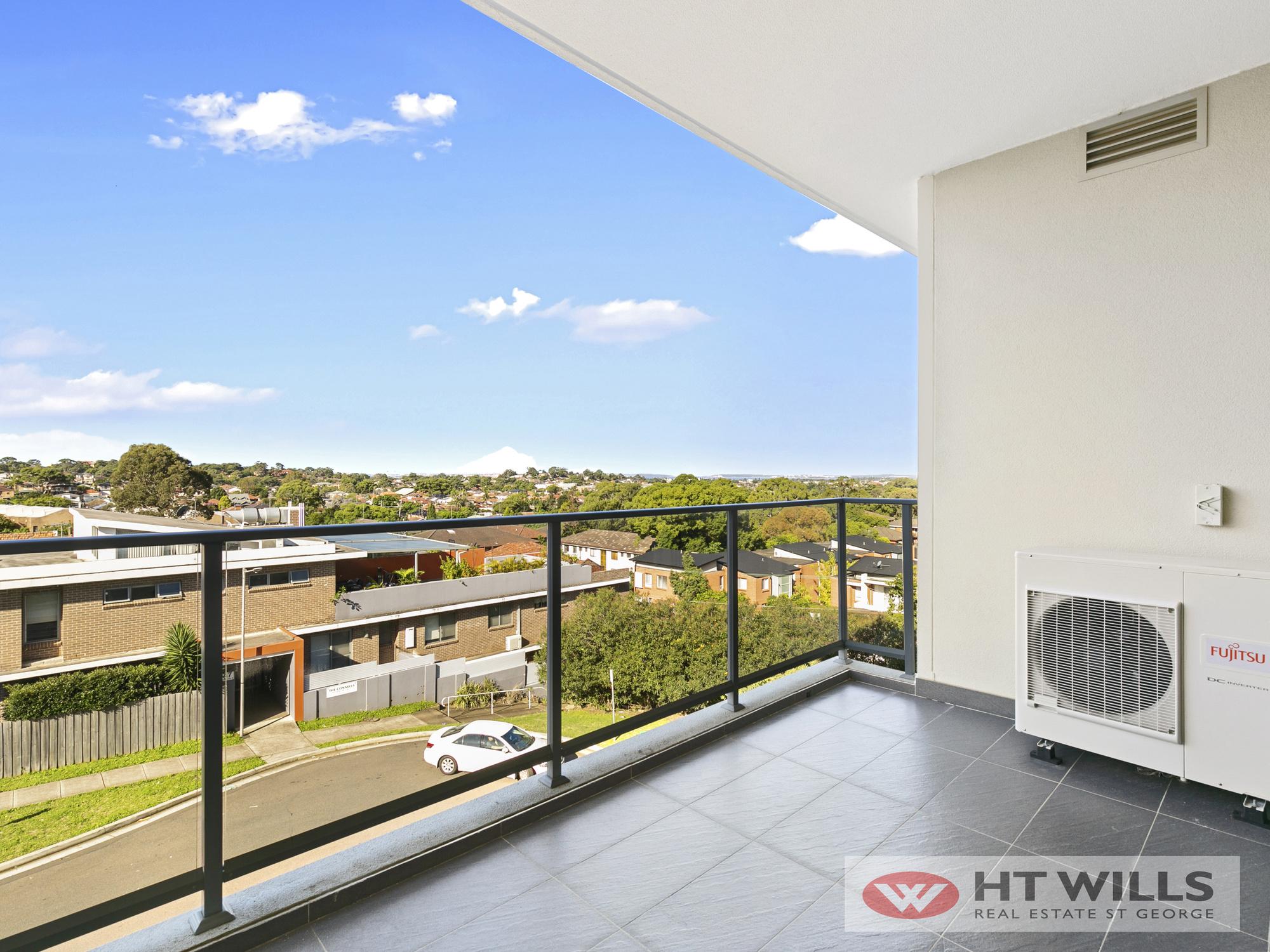 Image: Modern 2 Bedroom Luxury Apartment