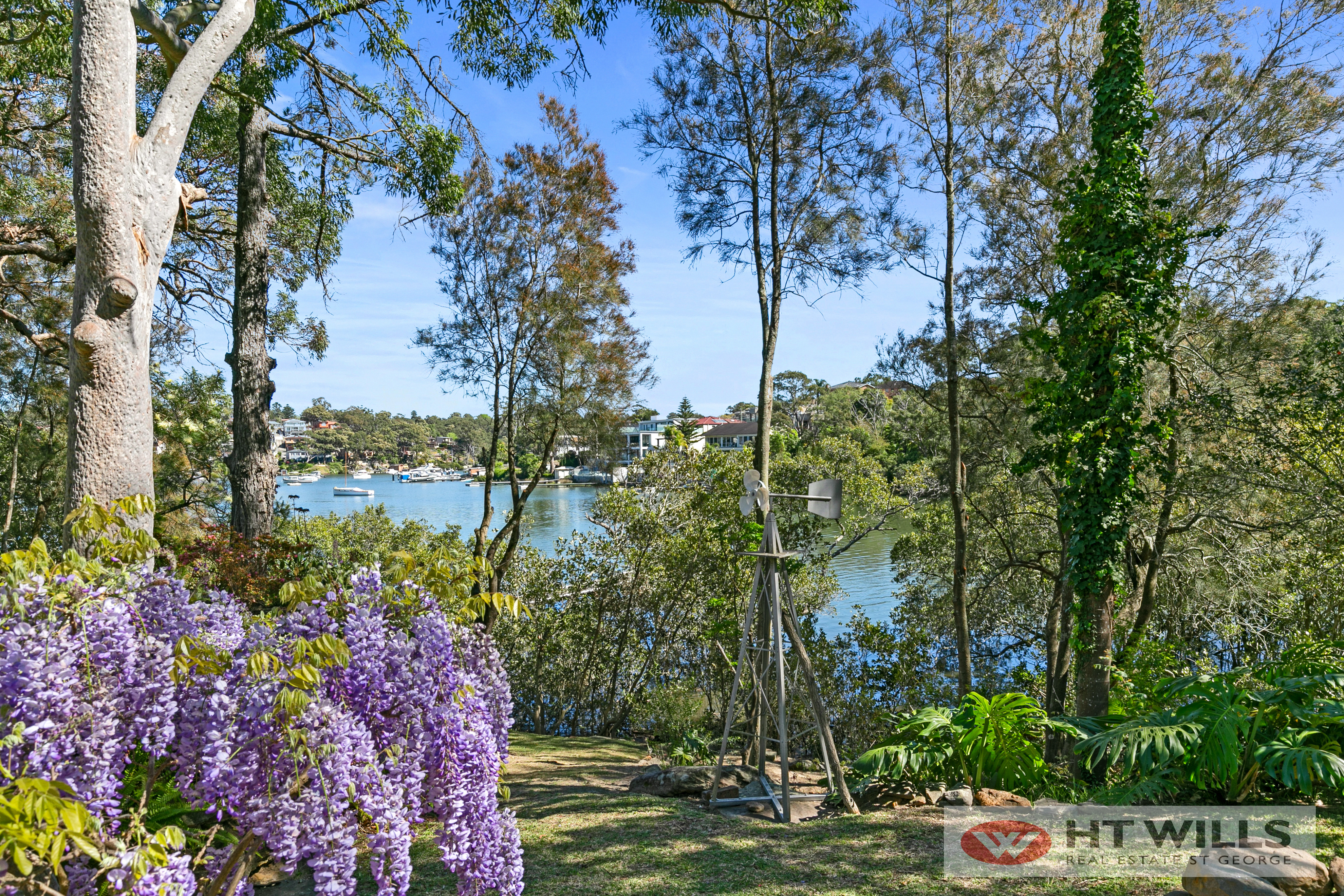 Private Tranquil Waterfront- Blue Ribbon Location
