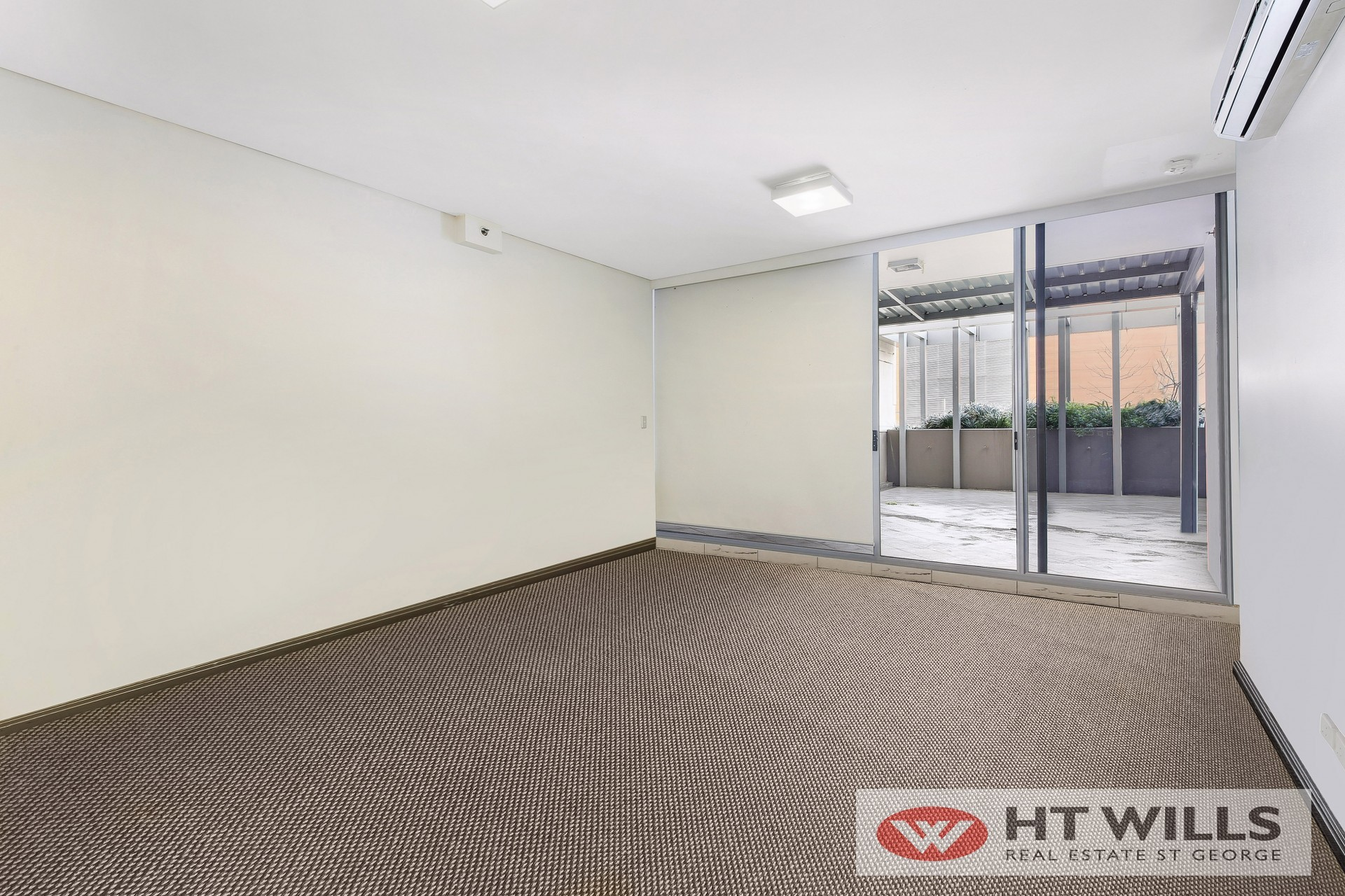 Good opportunity for investment one bedroom city apartment
