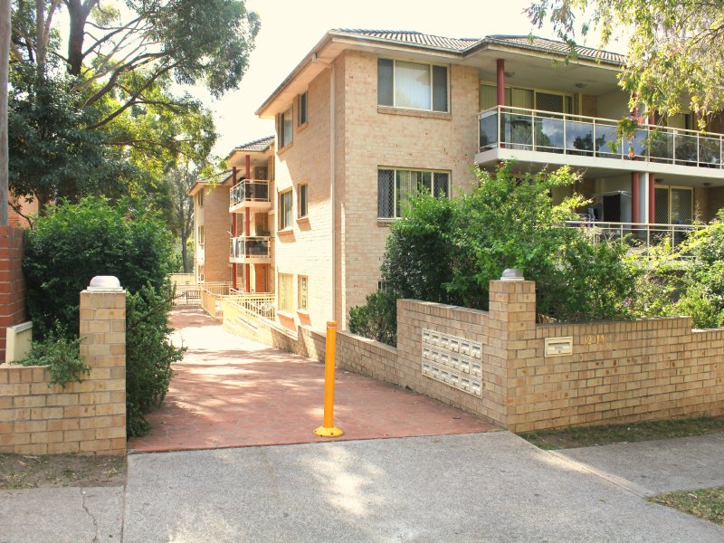 2 BEDROOM APARTMENT IN A GREAT LOCATION