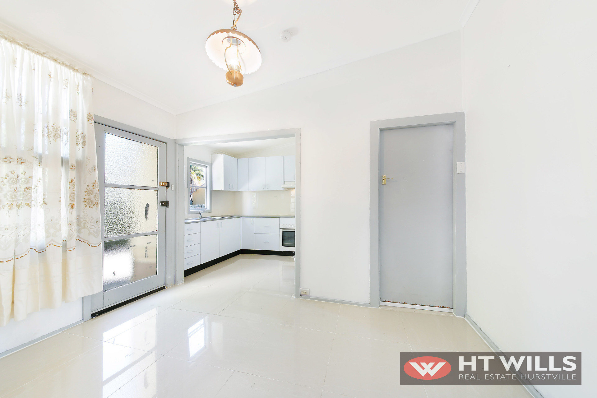 CONVENIENTLY LOCATED 2 BEDROOM HOME
