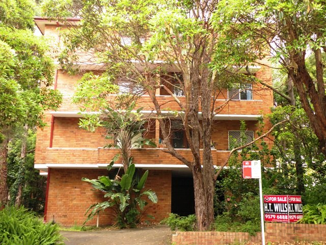 2 BEDROOM UNIT - CLOSE TO STATION