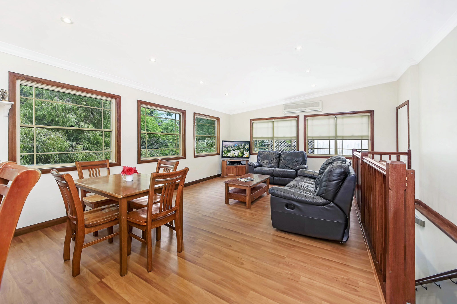 Image: 5 bedroom Extra Large Brick Home great opportunity in Kogarah!