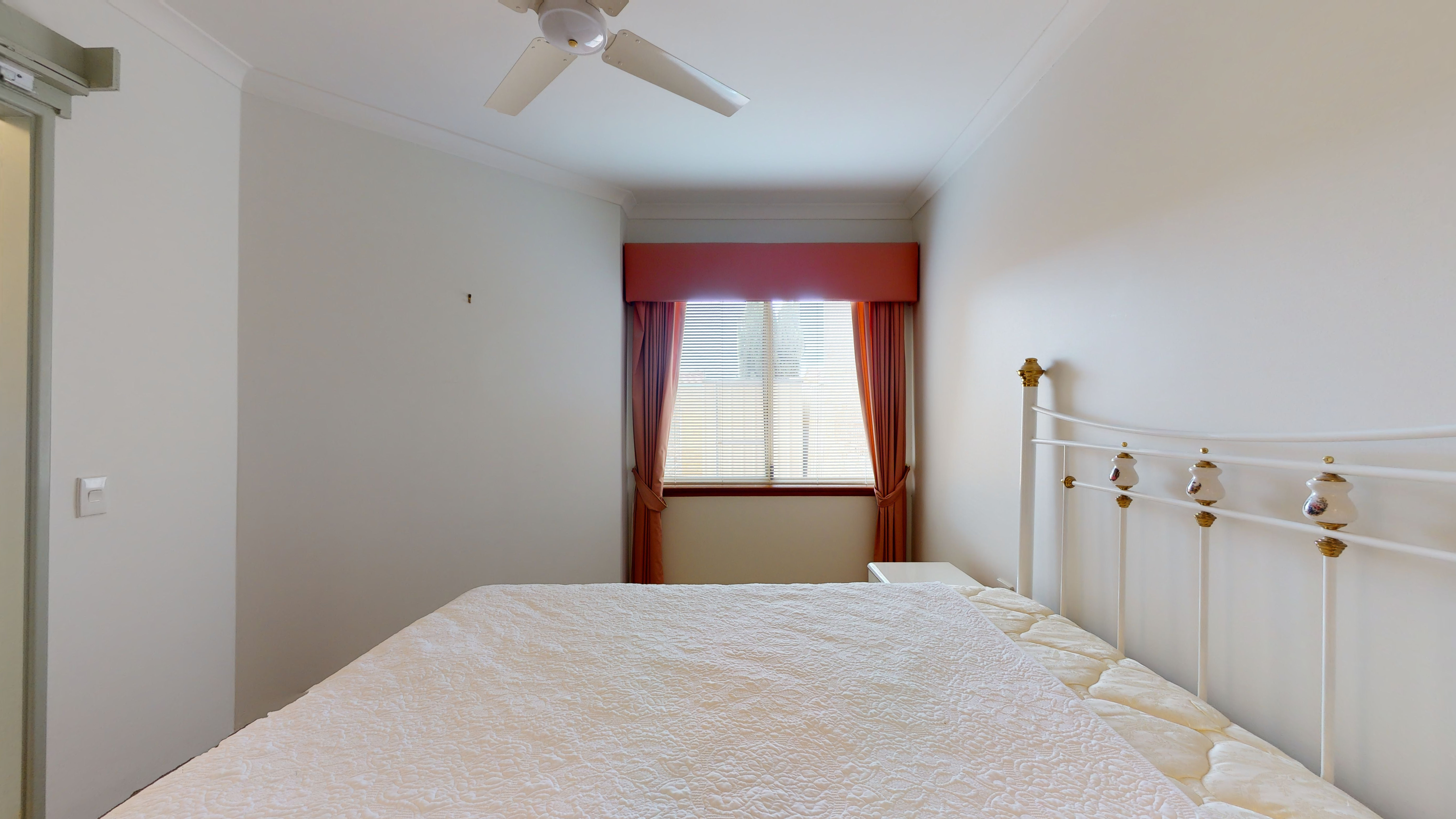 29959154 1622442301 29386 207 177 Dampier Avenue Kallaroo Main Bedroom1