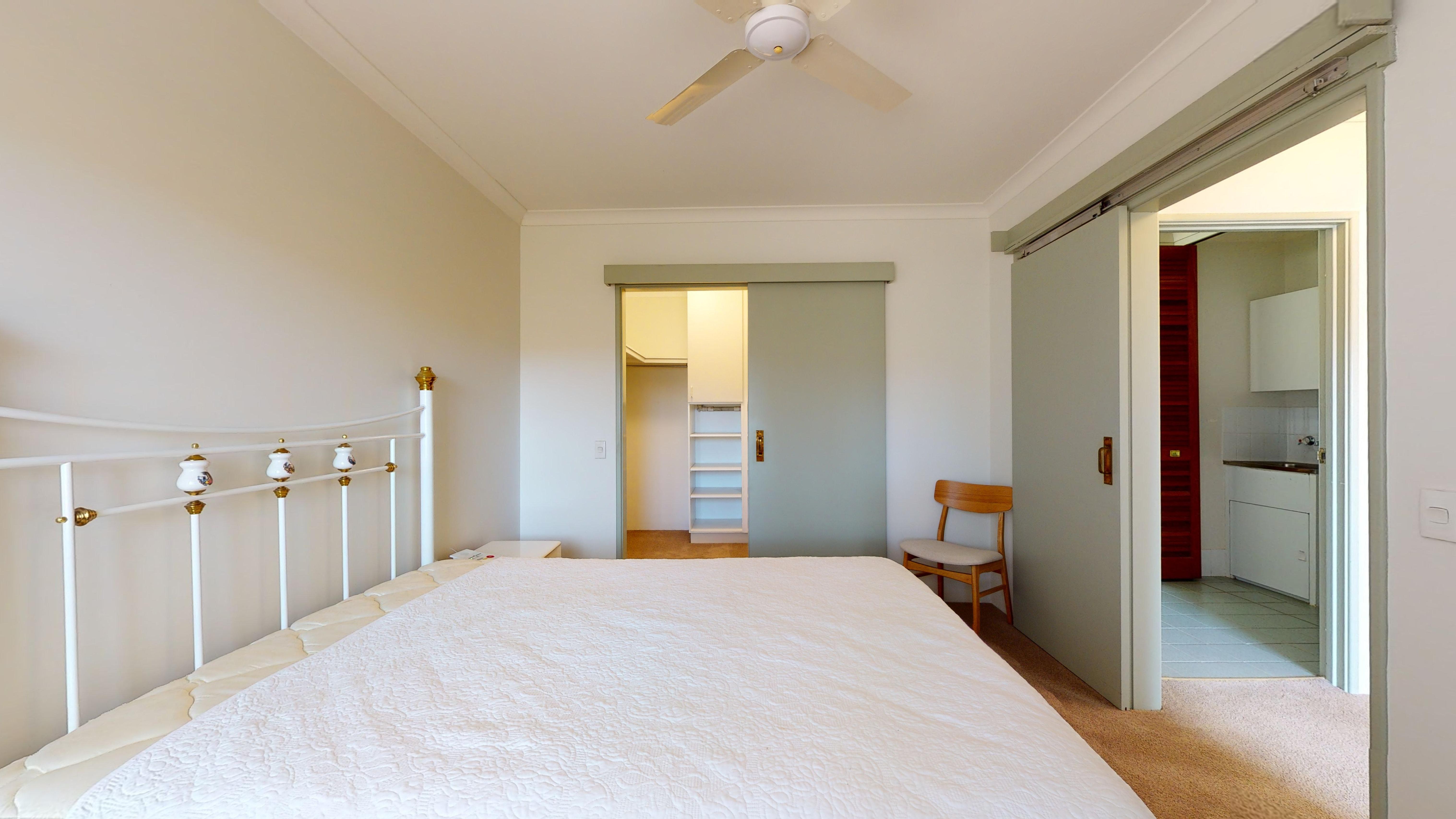 29959155 1622442302 29391 207 177 Dampier Avenue Kallaroo Main Bedroom2
