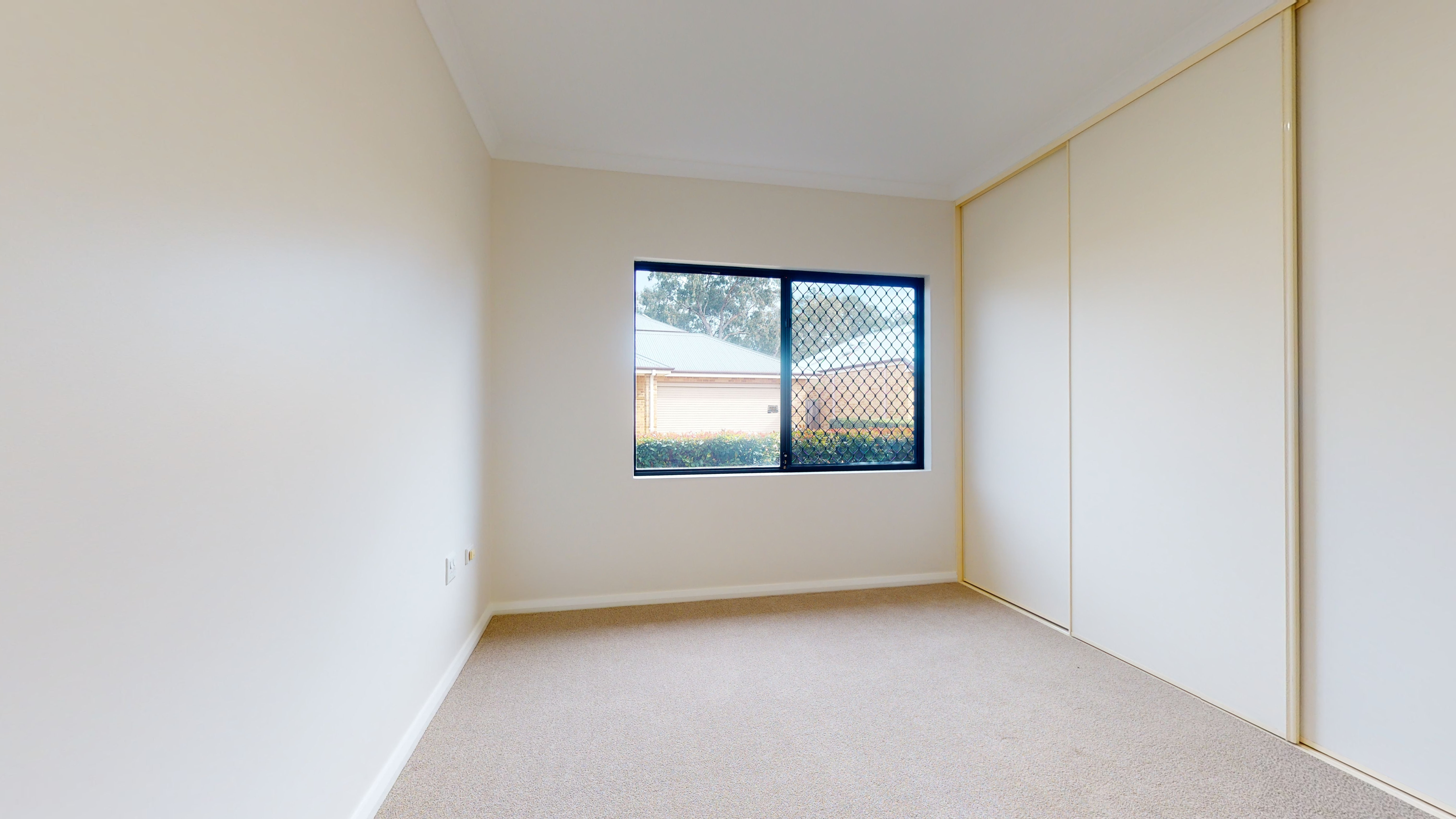 34748232 1626061626 31828 96 22 Carnegie Place Greenfields Main Bedroom2