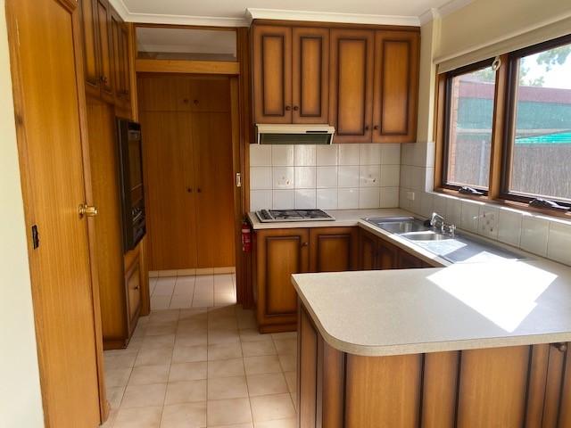 21807107__1617082610-2533-kitchen2.jpg