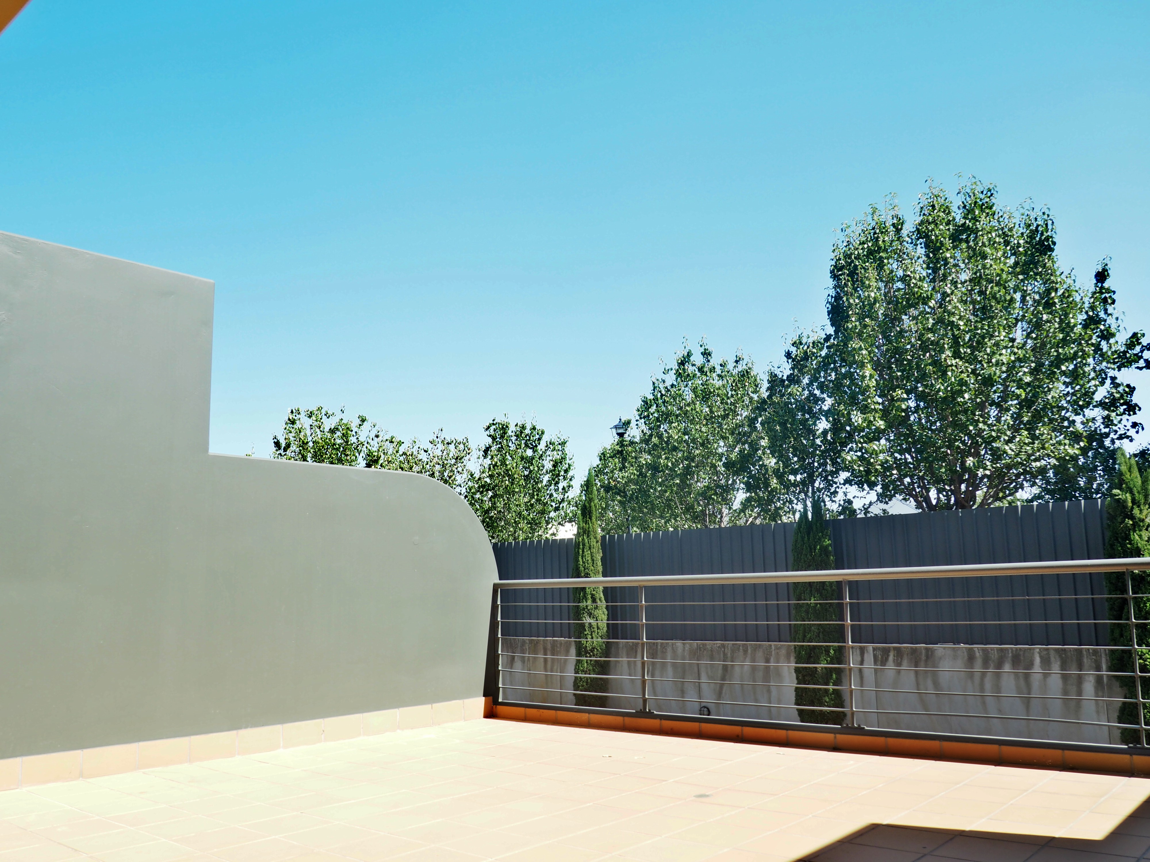 mydimport-1596538590-hires.17533-balcony1.JPG
