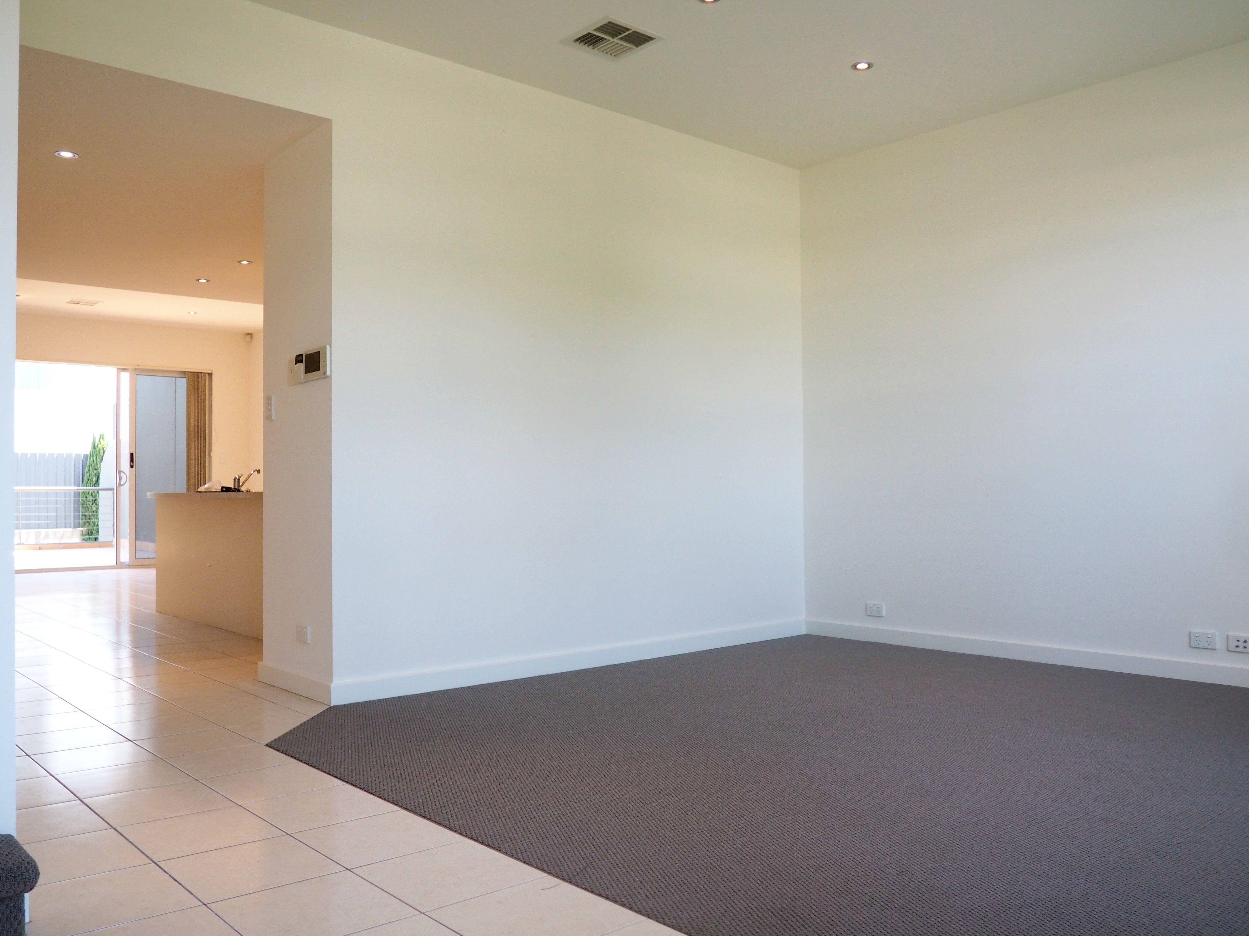 mydimport-1596538590-hires.17845-lounge.JPG