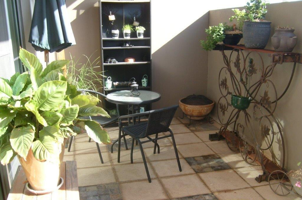 mydimport-1596538600-hires.1439520122-19242-frontpatio.jpg
