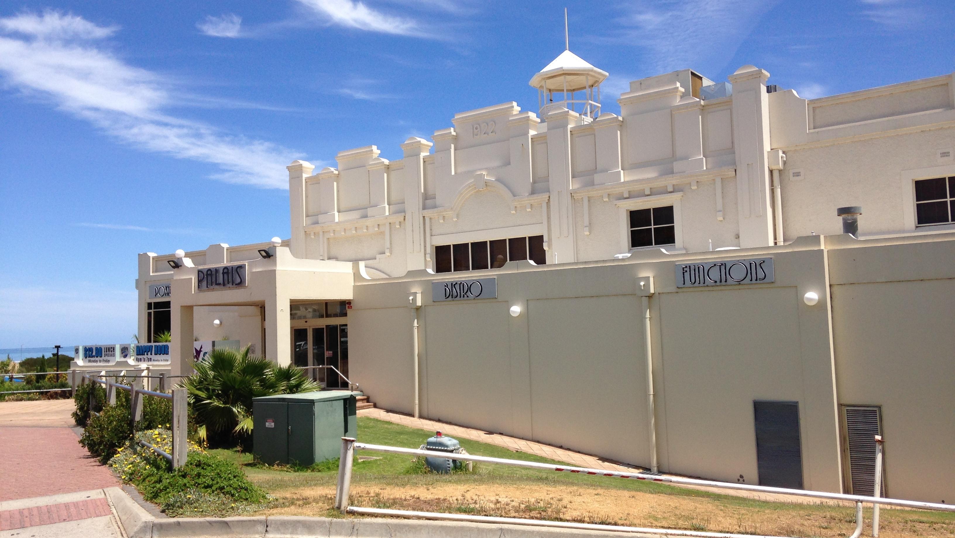 mydimport-1596538606-hires.5366-SA-Adelaide-Semaphore-Palais-Hotel-21.11.2014.jpg