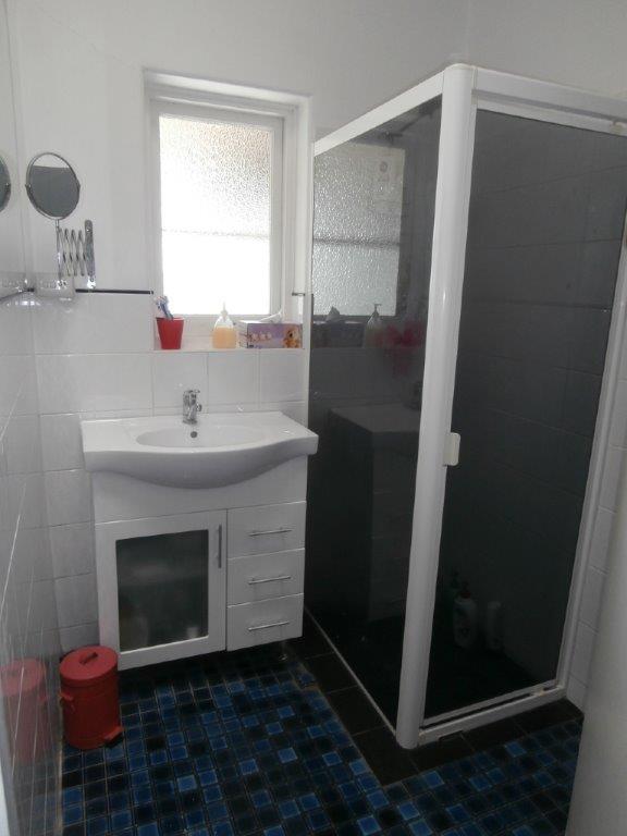 mydimport-1596538617-hires.1447737034-8385-Bathroom.jpg