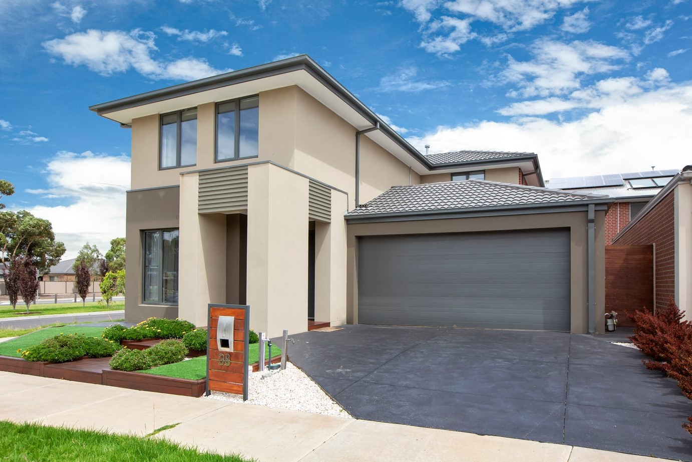 Luxe family home in heart of Upper Point Cook