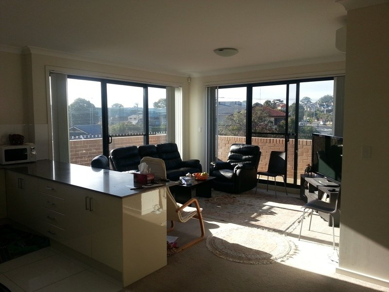 Secure, Top Floor Sunny Unit - UNDER OFFER