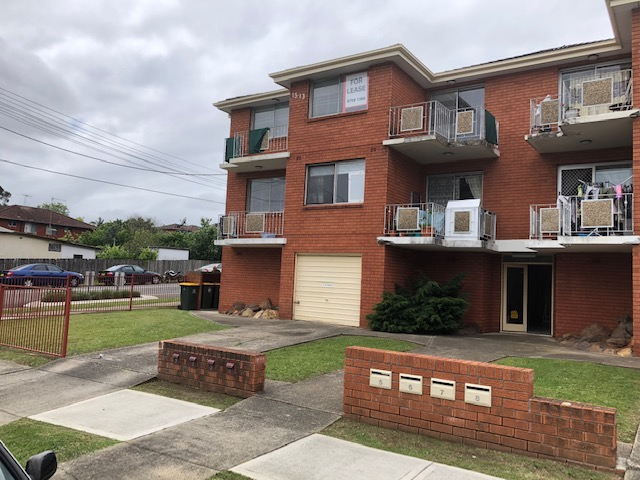 2 BEDROOM TOWNHOUSE FOR LEASE