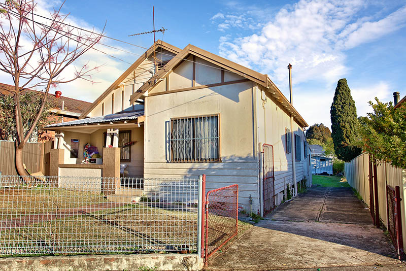 SOLD AT AUCTION ABOVE RESERVE - IDEAL FIRST HOME