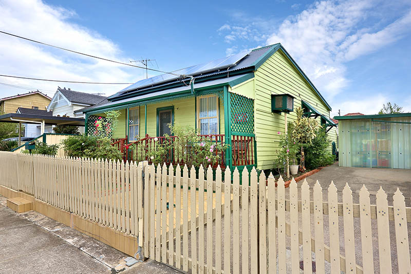 DELIGHTFUL FAMILY HOME - OPEN HOME CANCELLED - SOLD PRIOR TO AUCTION