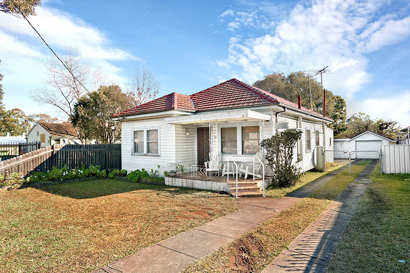 CHARMING CLASSICAL HOME -SOLD PRIOR TO AUCTION BY BILL HUSSEIN