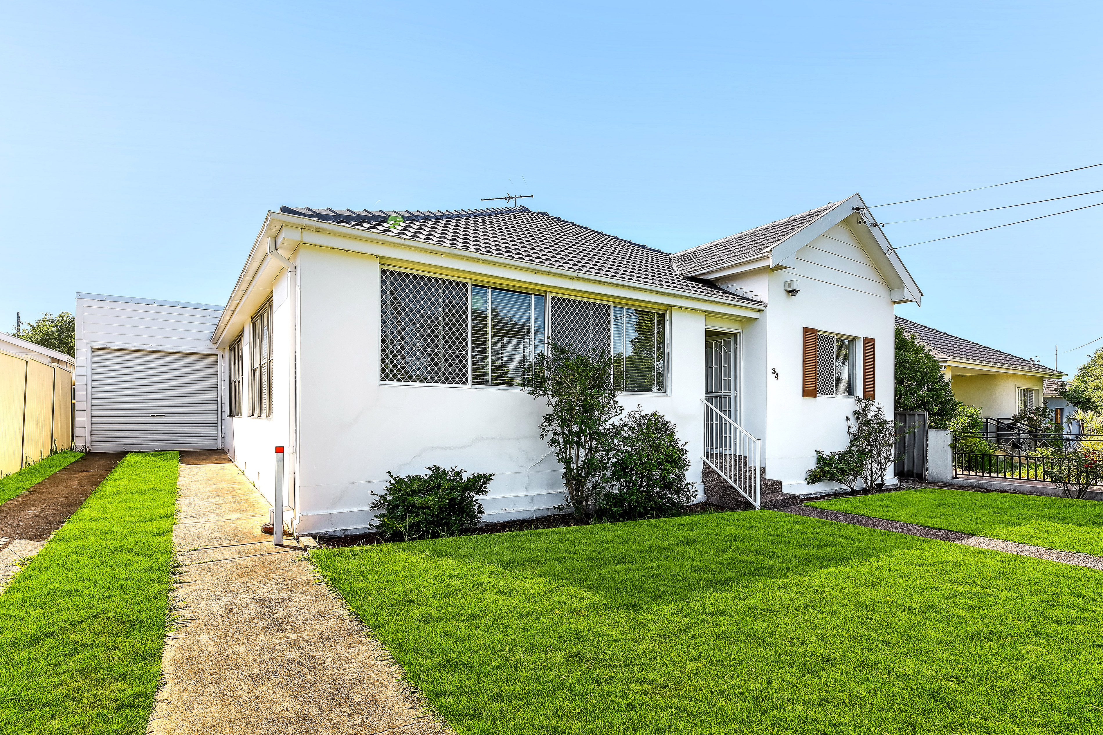 BRICK HOME ON BIG LAND, OPPORTUNITY AWAITS - AUCTION CANCELLED - PROPERTY SOLD