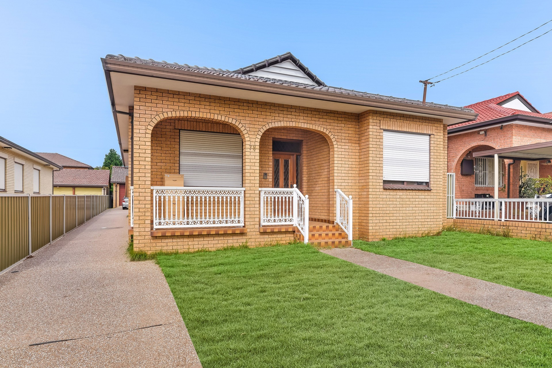Double Brick 5 Bedroom Home in Prime Location
