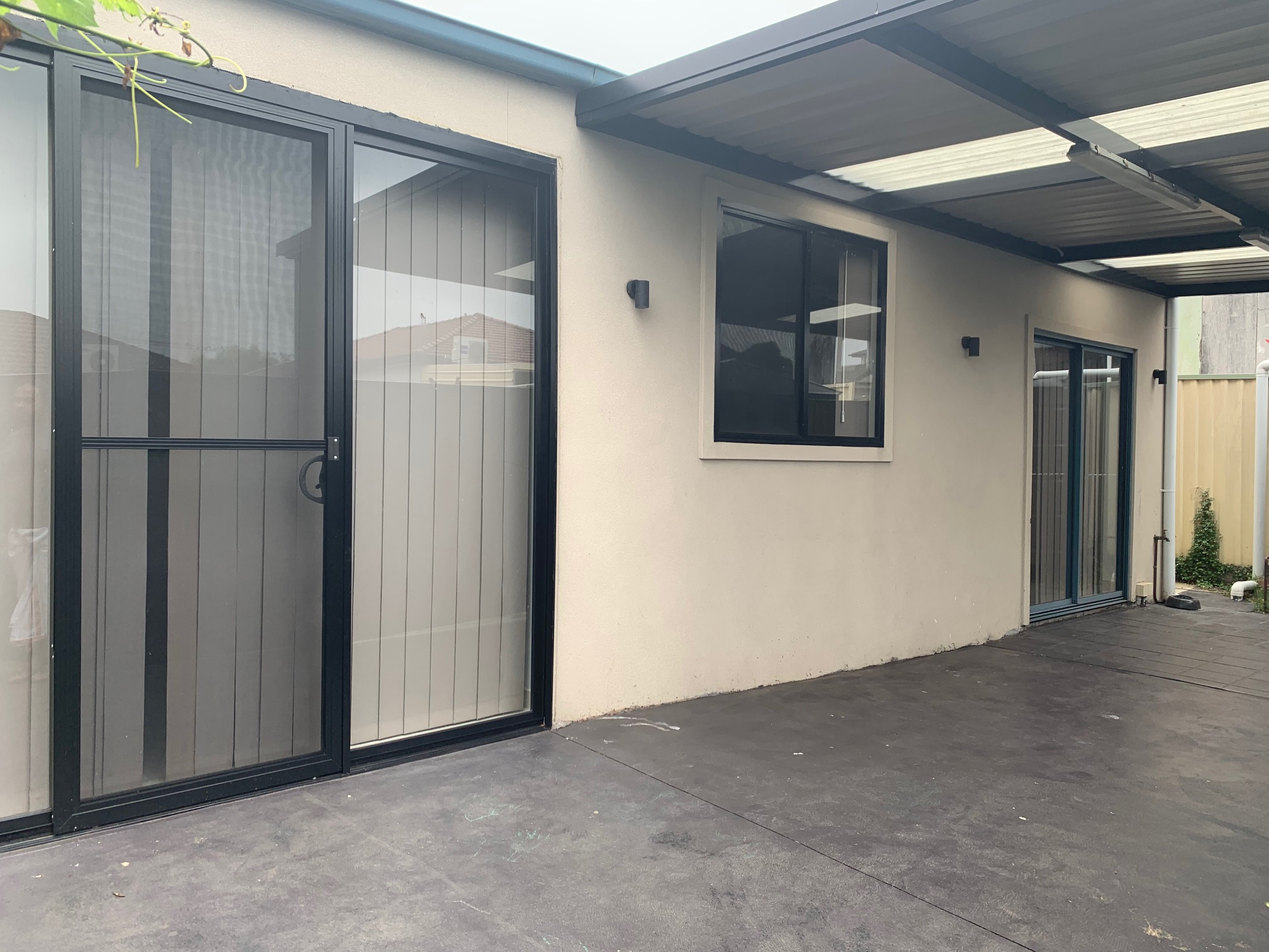 2 BEDROOM GRANNY FLAT FOR LEASE