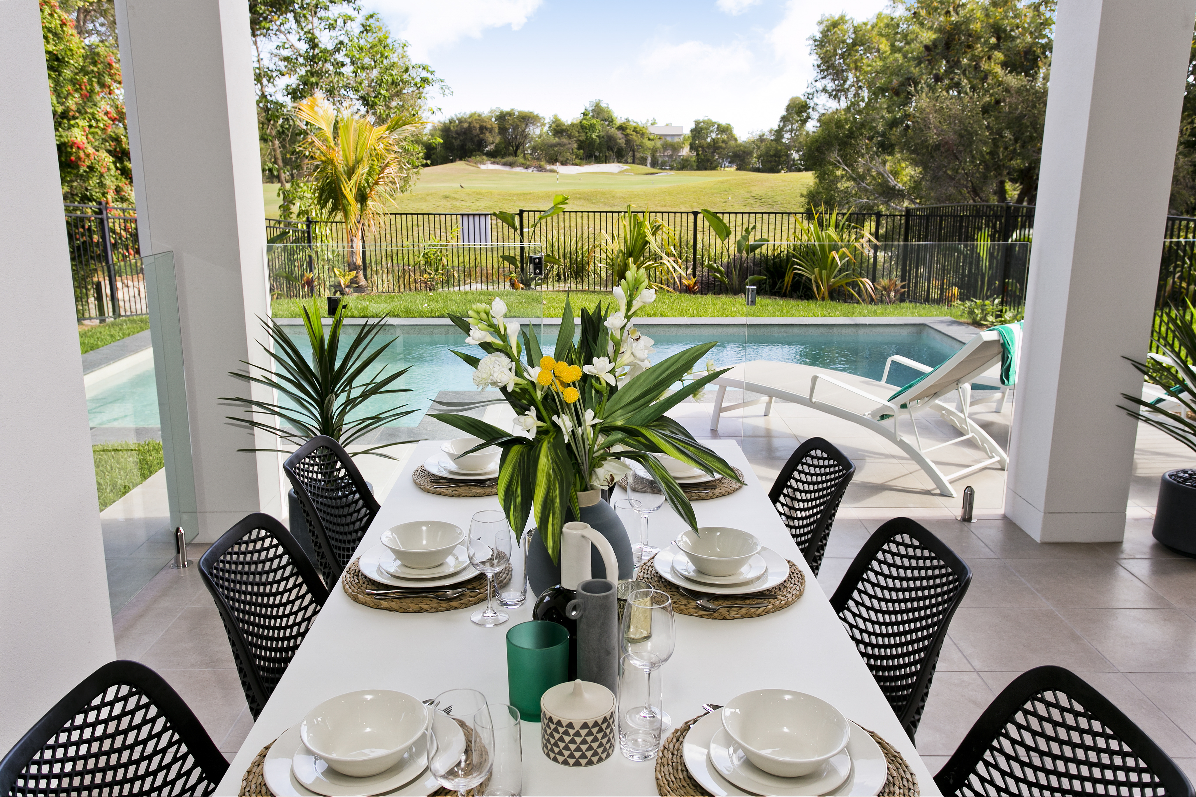STYLISH ENTERTAINERS DELIGHT WITH POOL & GLORIOUS LANDSCAPED OUTLOOK
