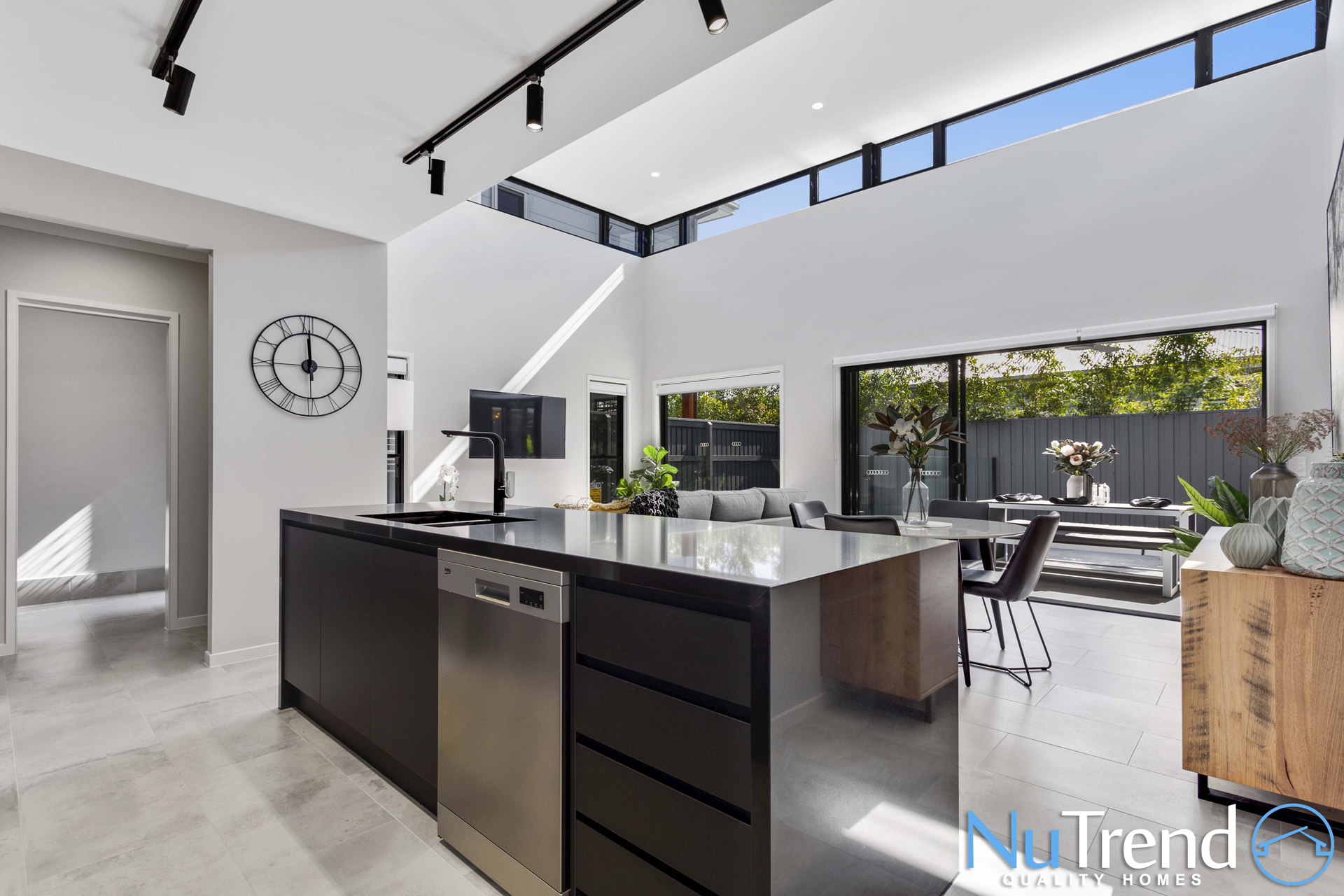 NEW LUXURY, STYLISH AND SPACIOUS HOME