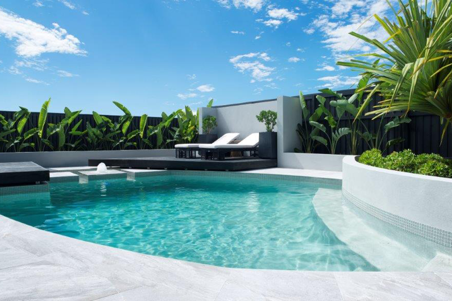 LUXURY CANAL HOME WITH POOL & OCEAN ACCESS