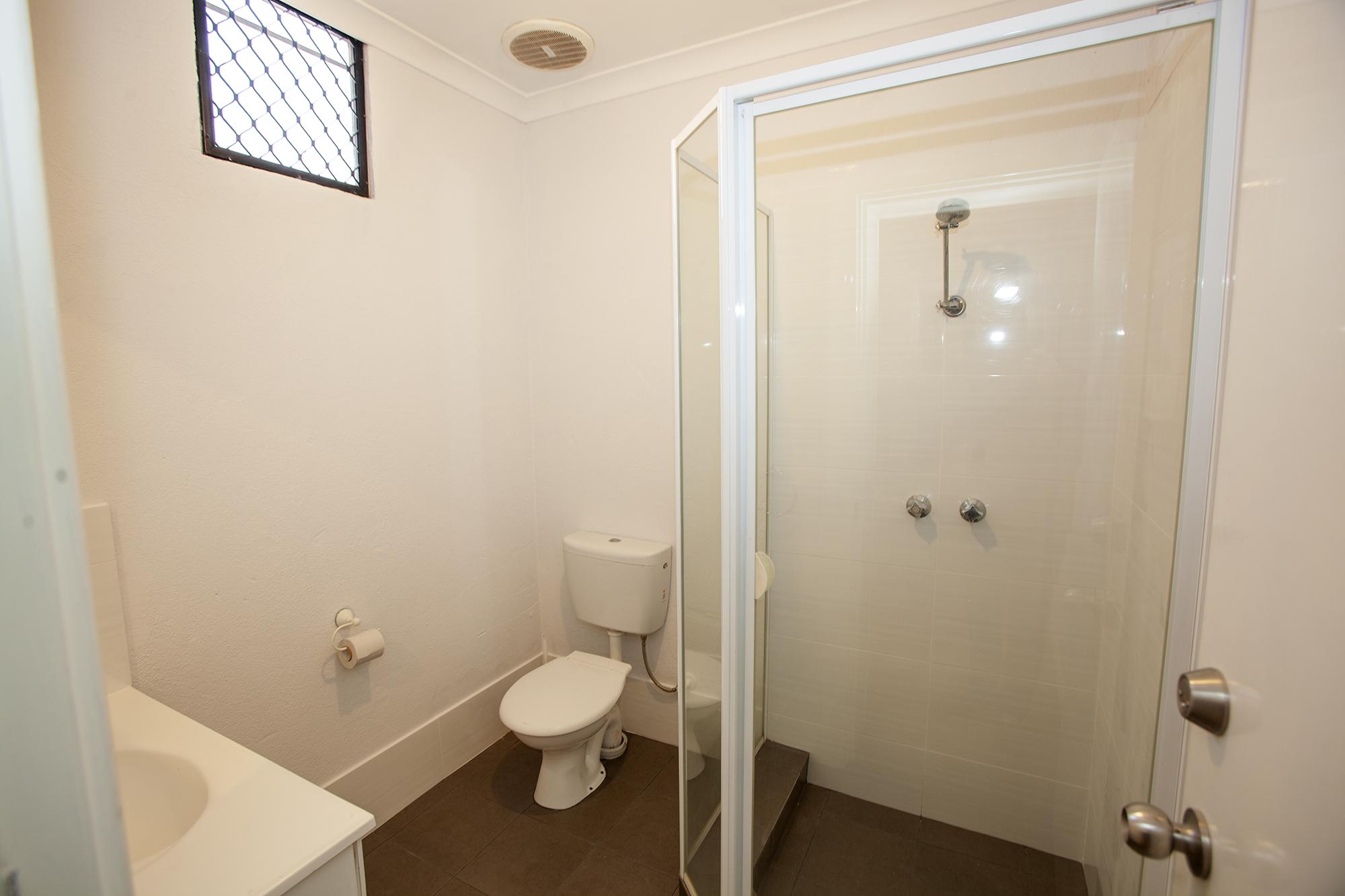 https://propertyphotos.vaultre.com.au/835/10045580__1595906115-8291-Mike9.jpg