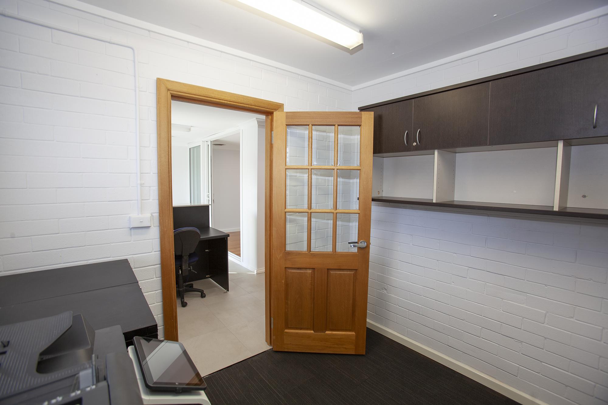 https://propertyphotos.vaultre.com.au/835/10045583__1595906121-13333-Mike15.jpg