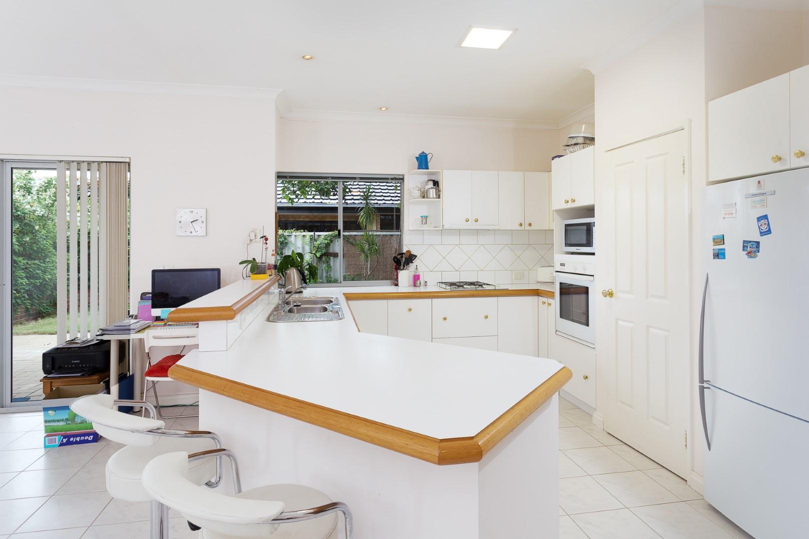 https://propertyphotos.vaultre.com.au/835/10194544__1596096189-30349-HIGH3aForbesStreetApplecross8of15.jpg