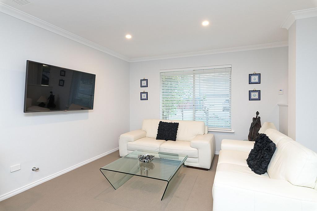 https://propertyphotos.vaultre.com.au/835/1024px.5266615__1587435908-31861-DSC3511.jpg