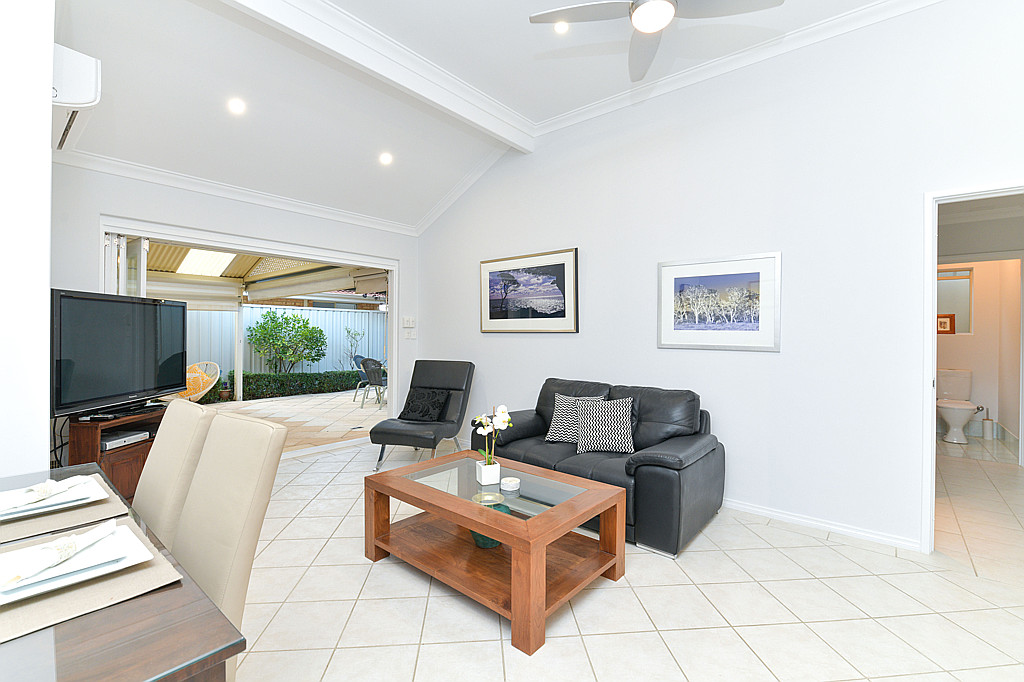 https://propertyphotos.vaultre.com.au/835/1024px.5266620__1587435916-6560-DSC3523.jpg
