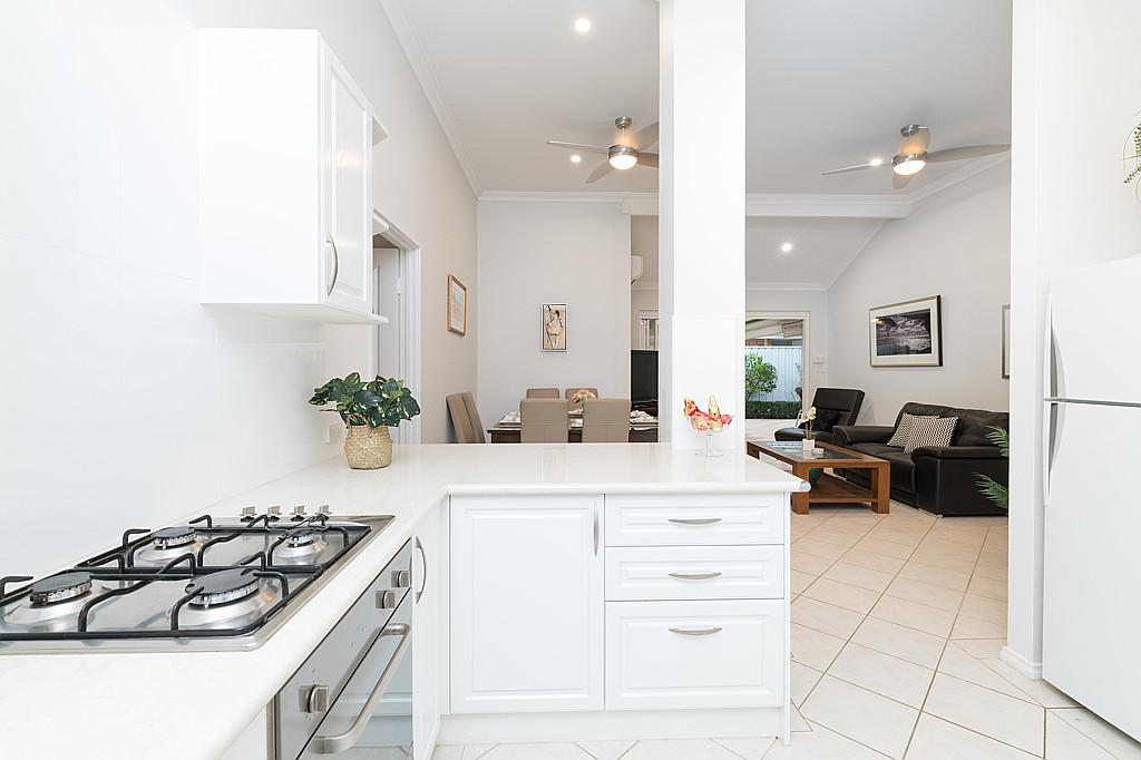 https://propertyphotos.vaultre.com.au/835/1024px.5266622__1587435920-31944-DSC3528.jpg