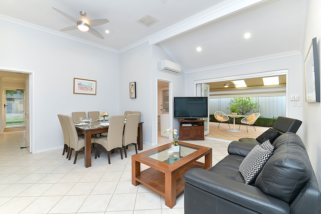 https://propertyphotos.vaultre.com.au/835/1024px.5266623__1587435922-5316-DSC3529.jpg