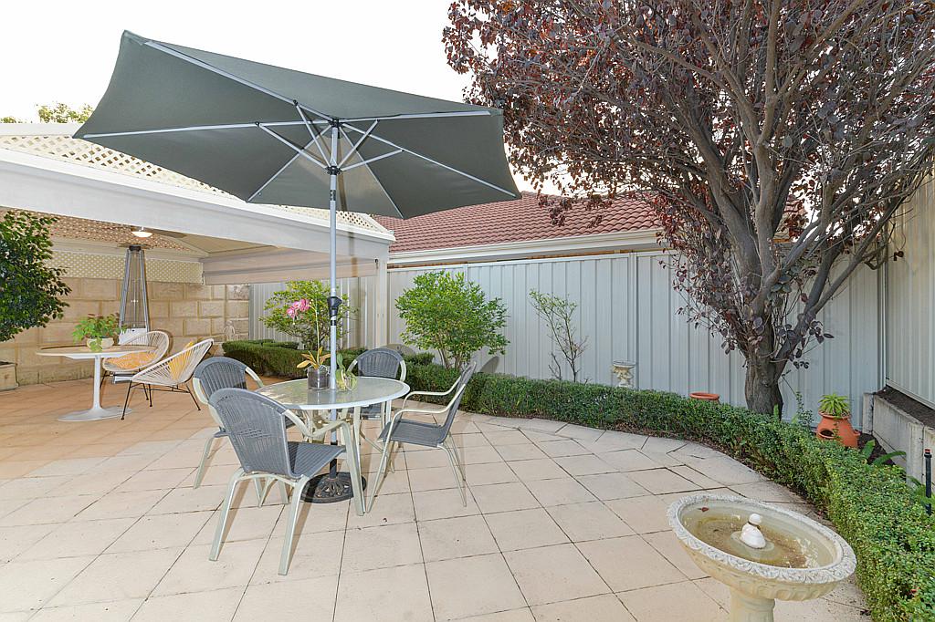 https://propertyphotos.vaultre.com.au/835/1024px.5266629__1587435933-32002-DSC3541.jpg