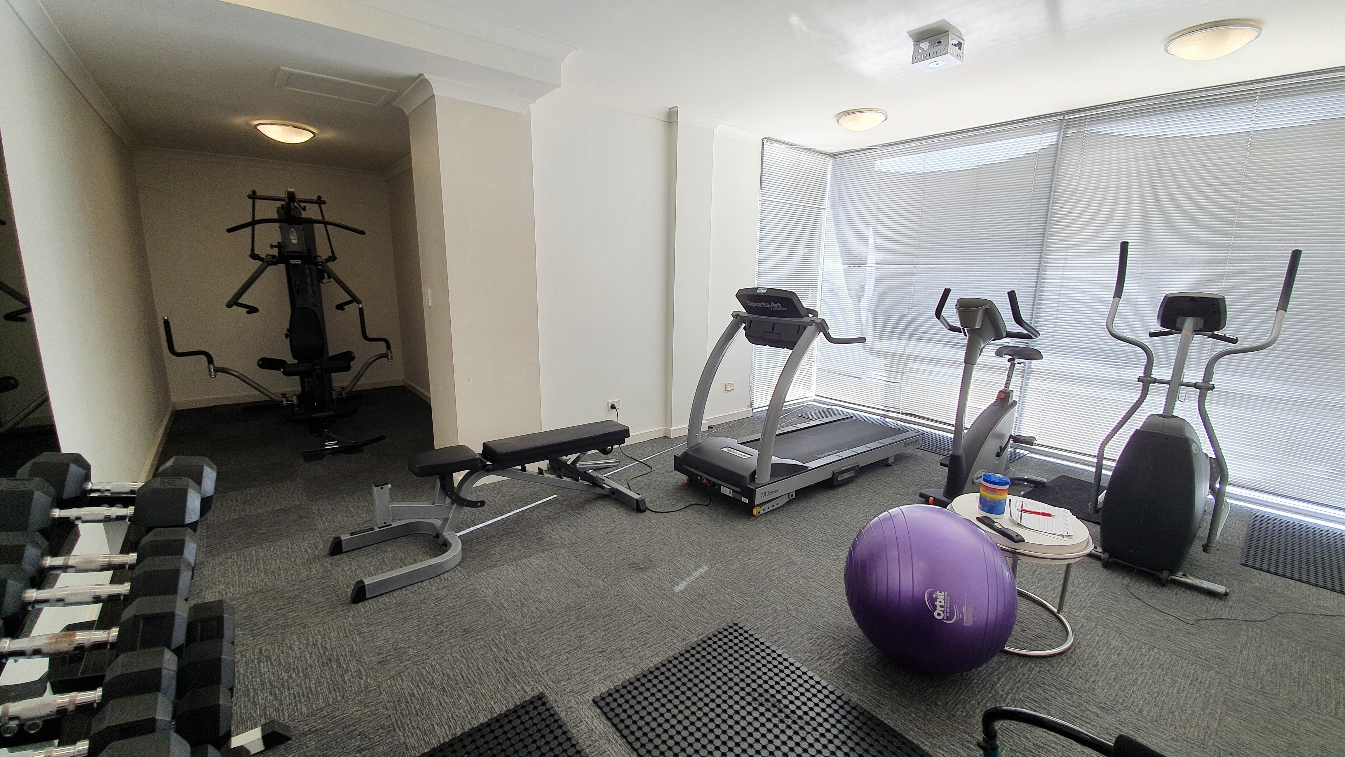 https://propertyphotos.vaultre.com.au/835/11043299__1598062277-32440-13-Gym.jpg