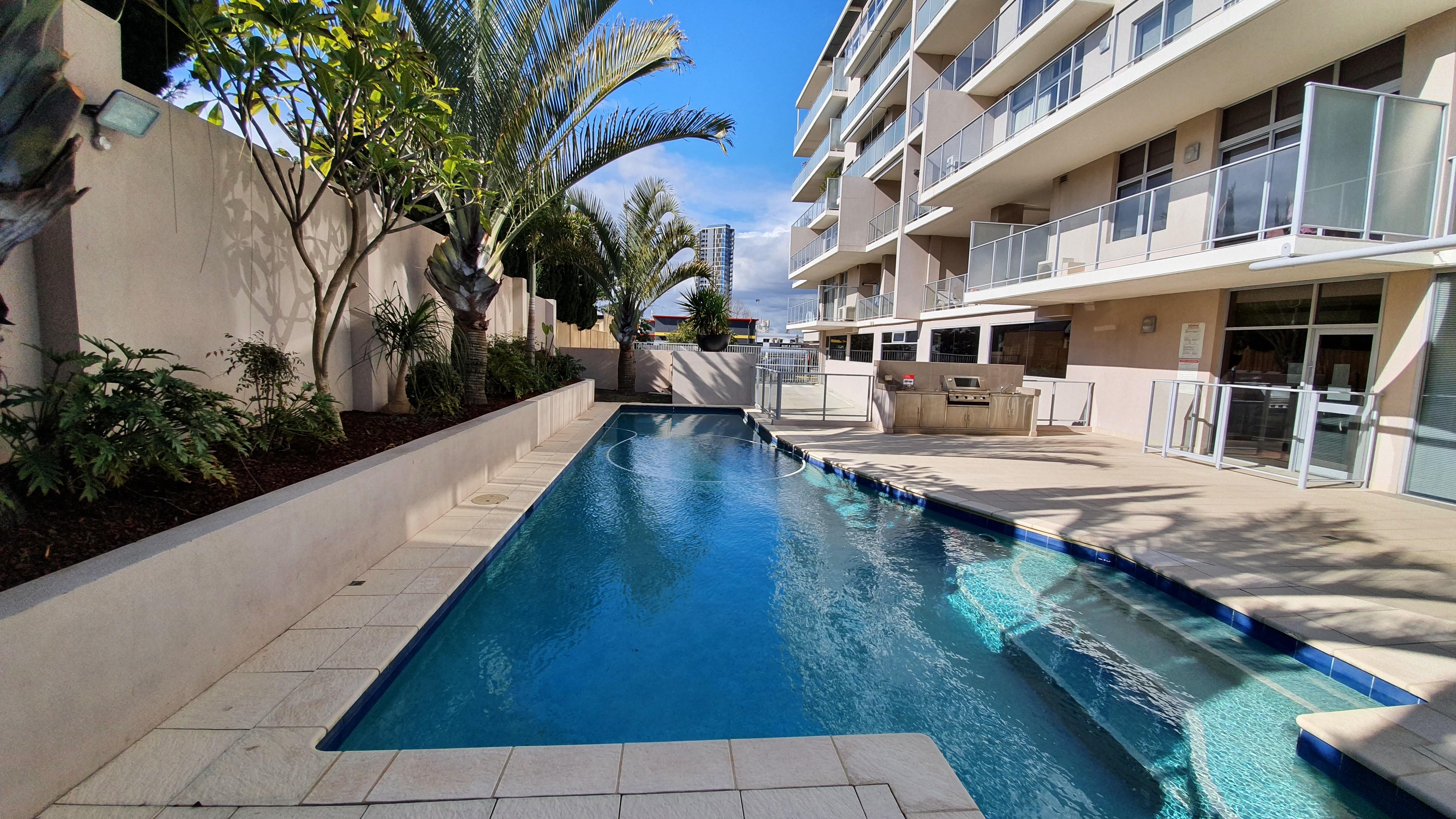 https://propertyphotos.vaultre.com.au/835/11043300__1598062279-20423-13-Pool.jpg