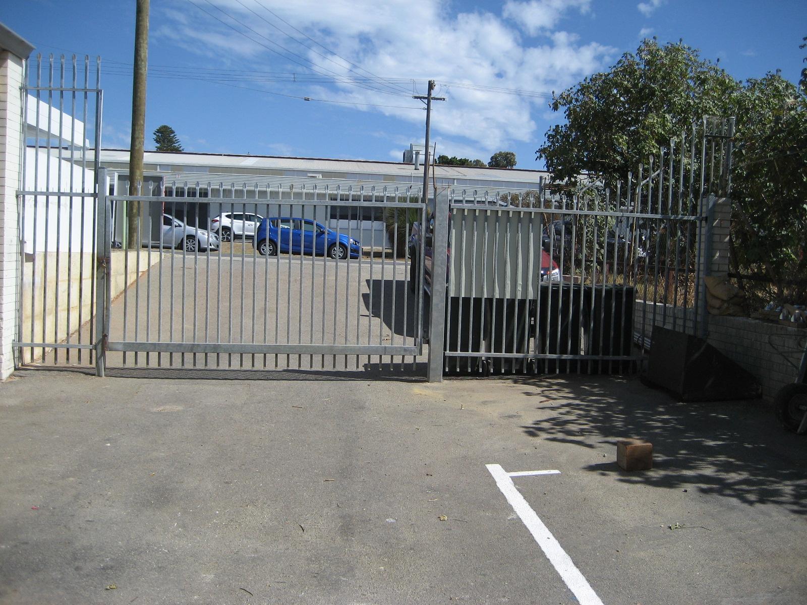 https://propertyphotos.vaultre.com.au/835/11367136__1598498266-30943-IMG9849.JPG