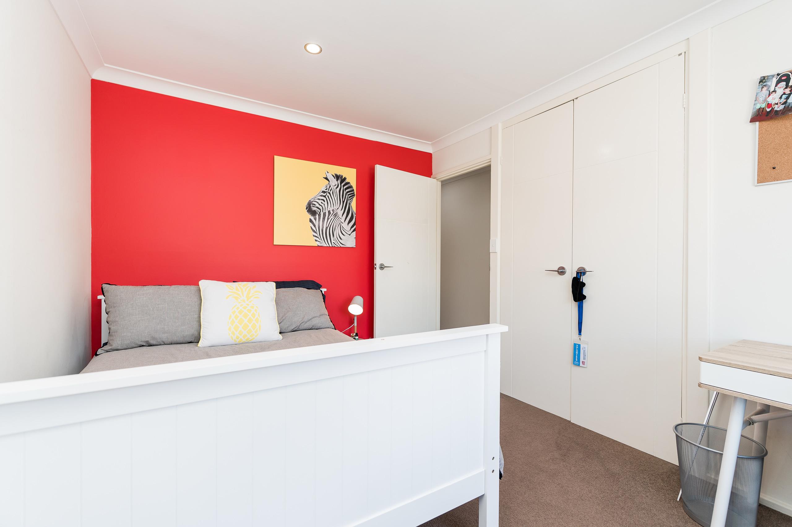 https://propertyphotos.vaultre.com.au/835/12201278__1599802087-28066-43EarlstonPlaceBooragoon-25.jpg