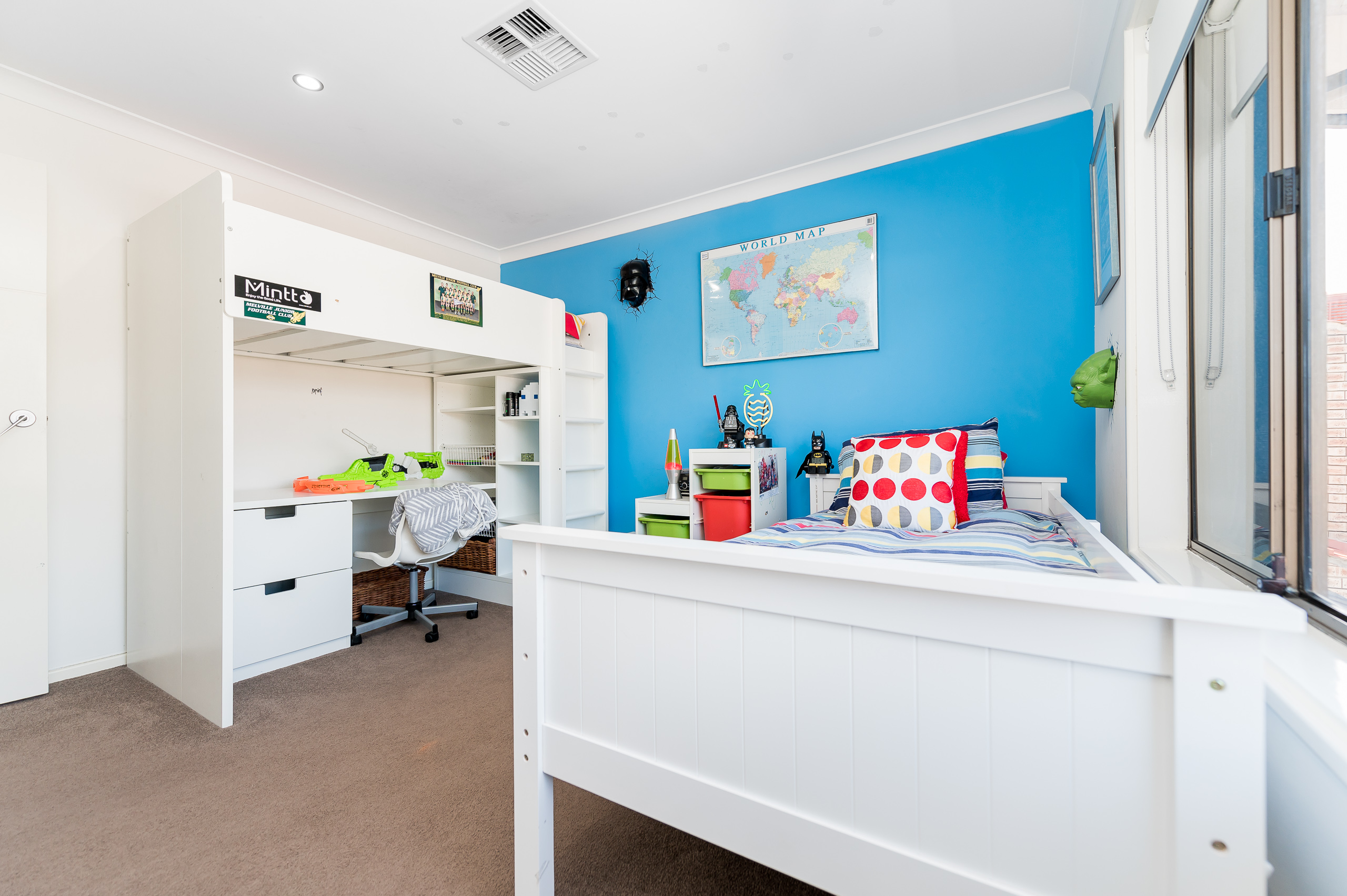 https://propertyphotos.vaultre.com.au/835/12201283__1599802128-28089-43EarlstonPlaceBooragoon-28.jpg