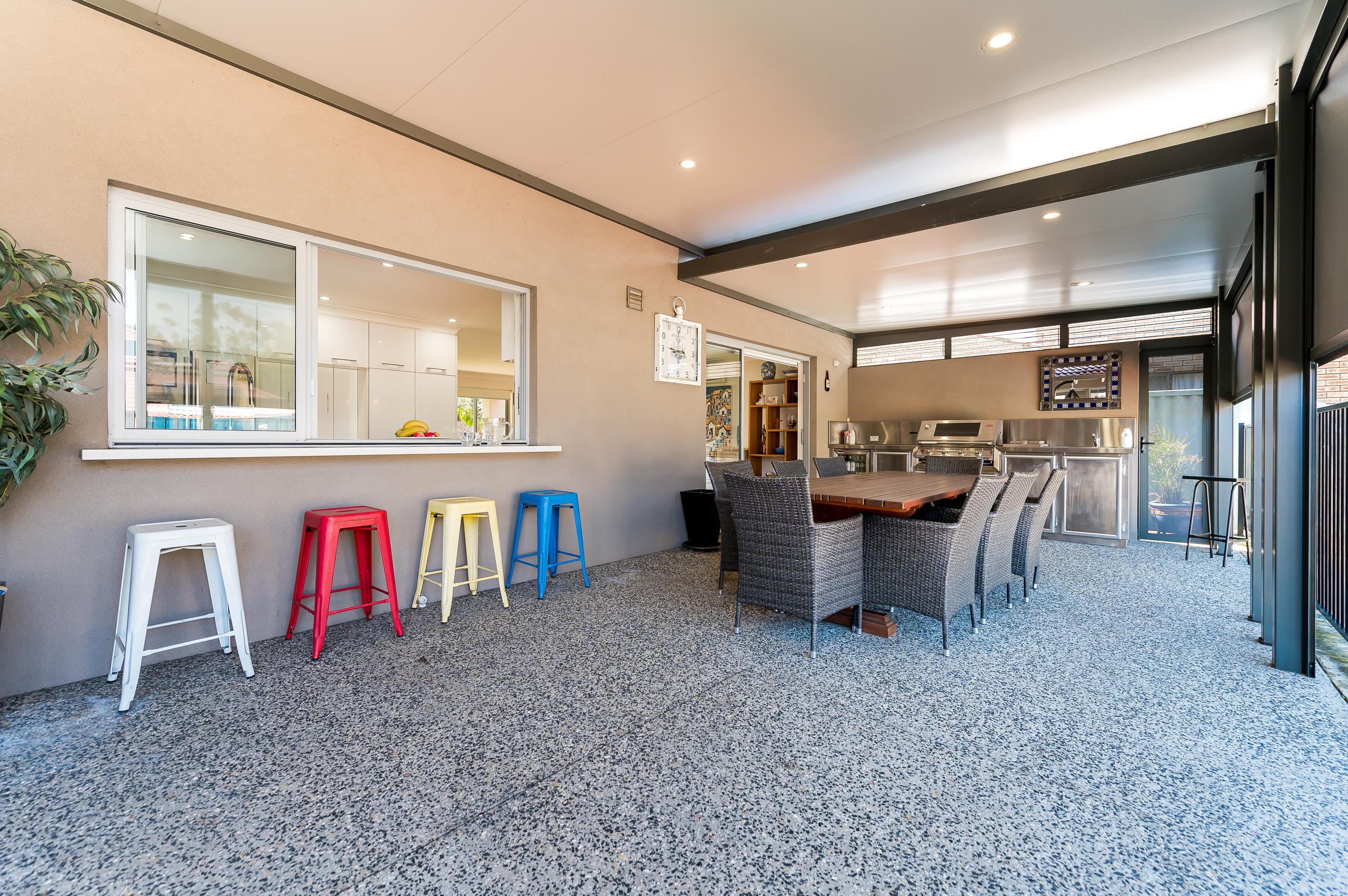 https://propertyphotos.vaultre.com.au/835/12201296__1599802205-28121-43EarlstonPlaceBooragoon-32.jpg